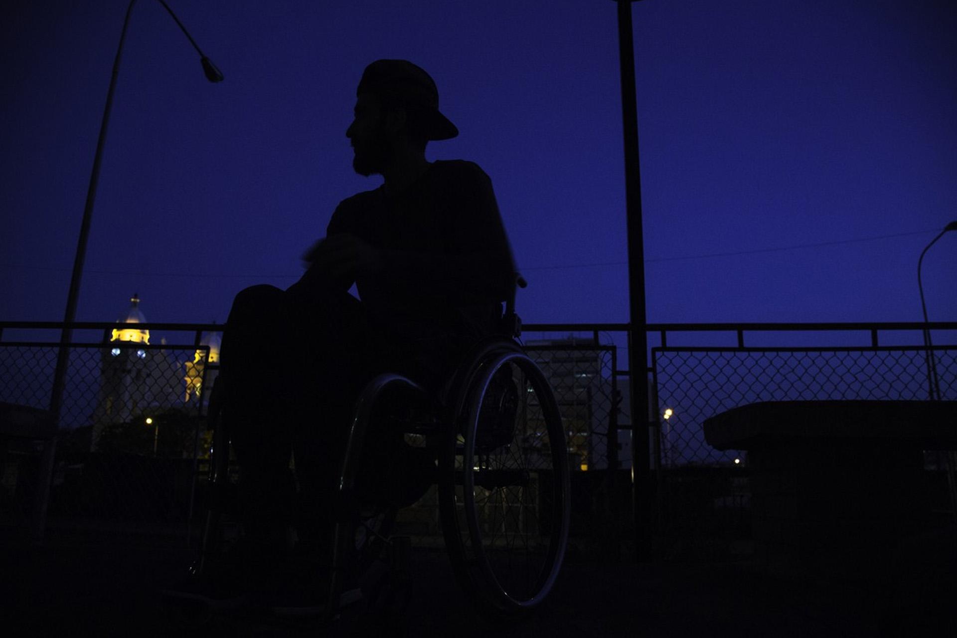 """""""Ahora tengo que depender en absolutamente de todo en alguien. Y no es por mi discapacidad, es simplemente porque el país no cuenta con las condiciones adecuadas"""", opinó Núñez."""