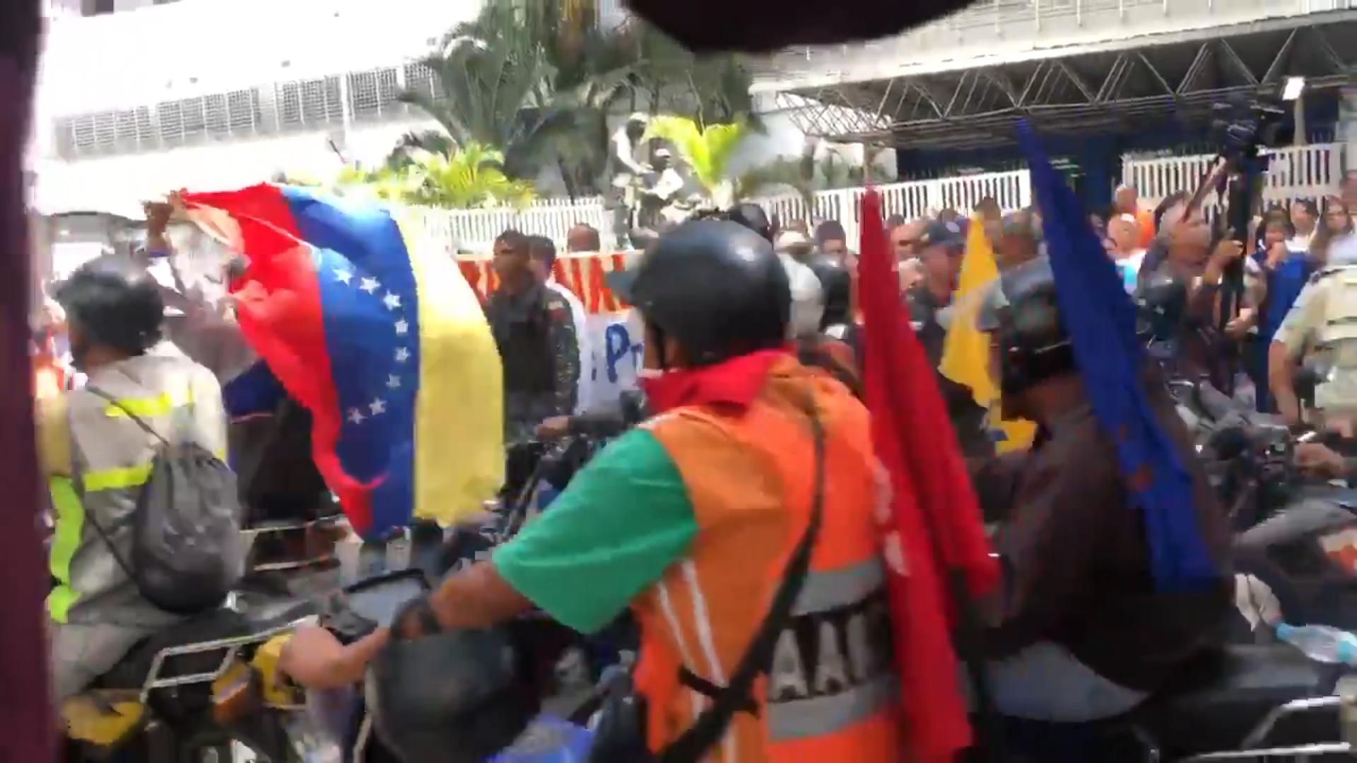 Los colectivos son las fuerzas de choque del chavismo