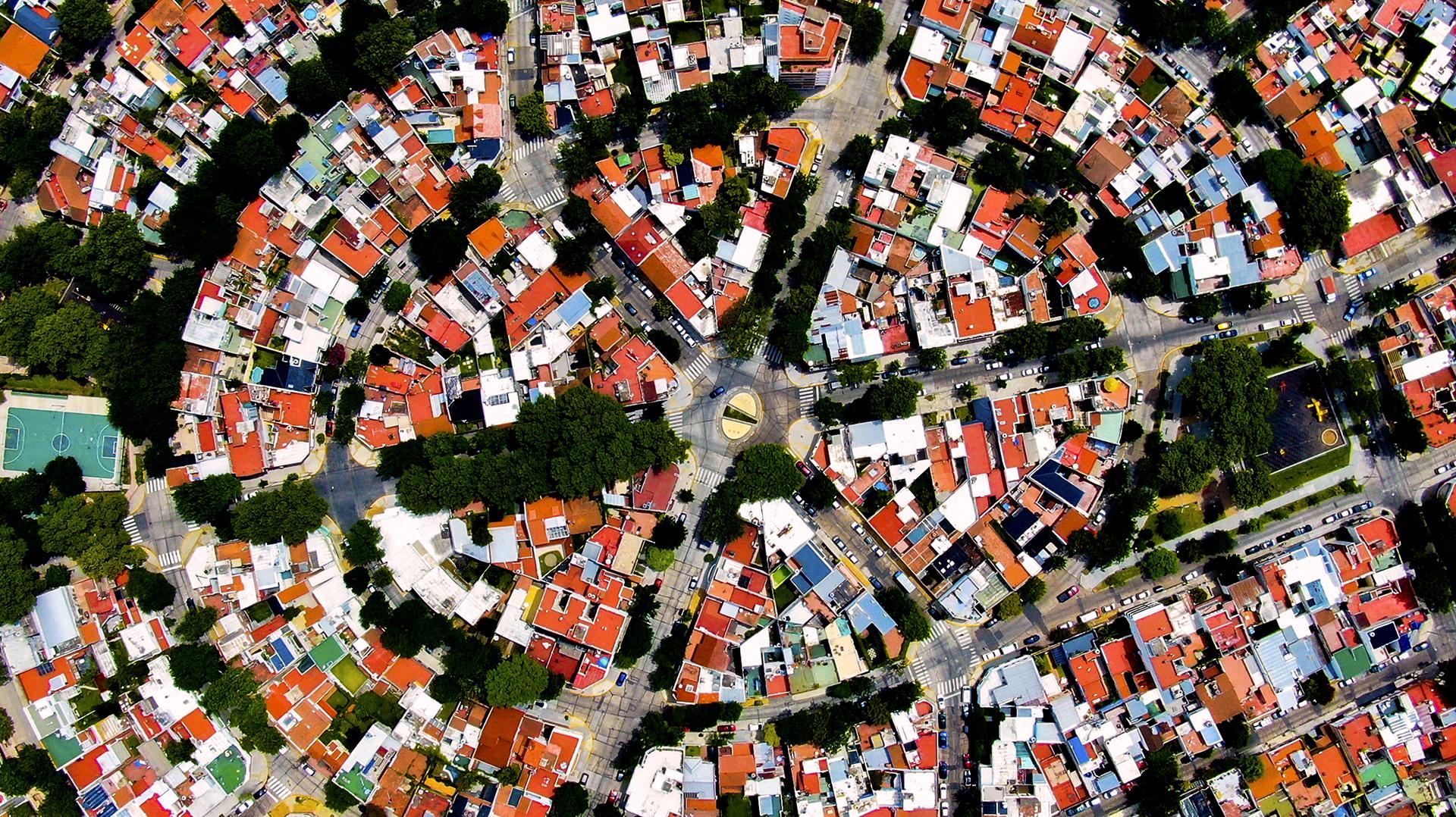 Parque Chas es el último barrio en conformarse de la Ciudad de Buenos Aires. Es reconocido por sus diagonales y su forma circular.
