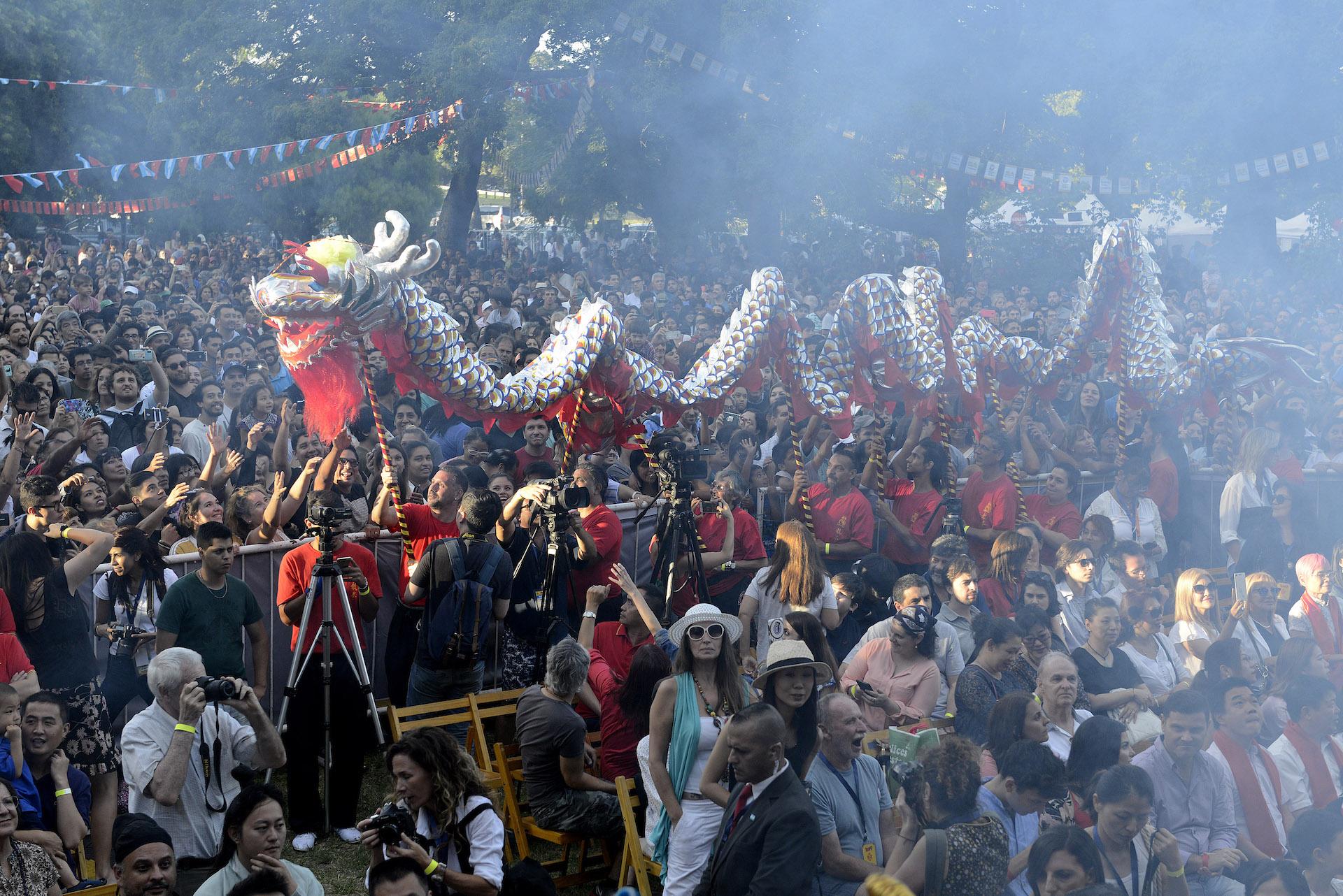 El sábado 2 la Plaza Parques Nacionales Argentinos lució a pleno para recibir el año 4717 de la cultura china.