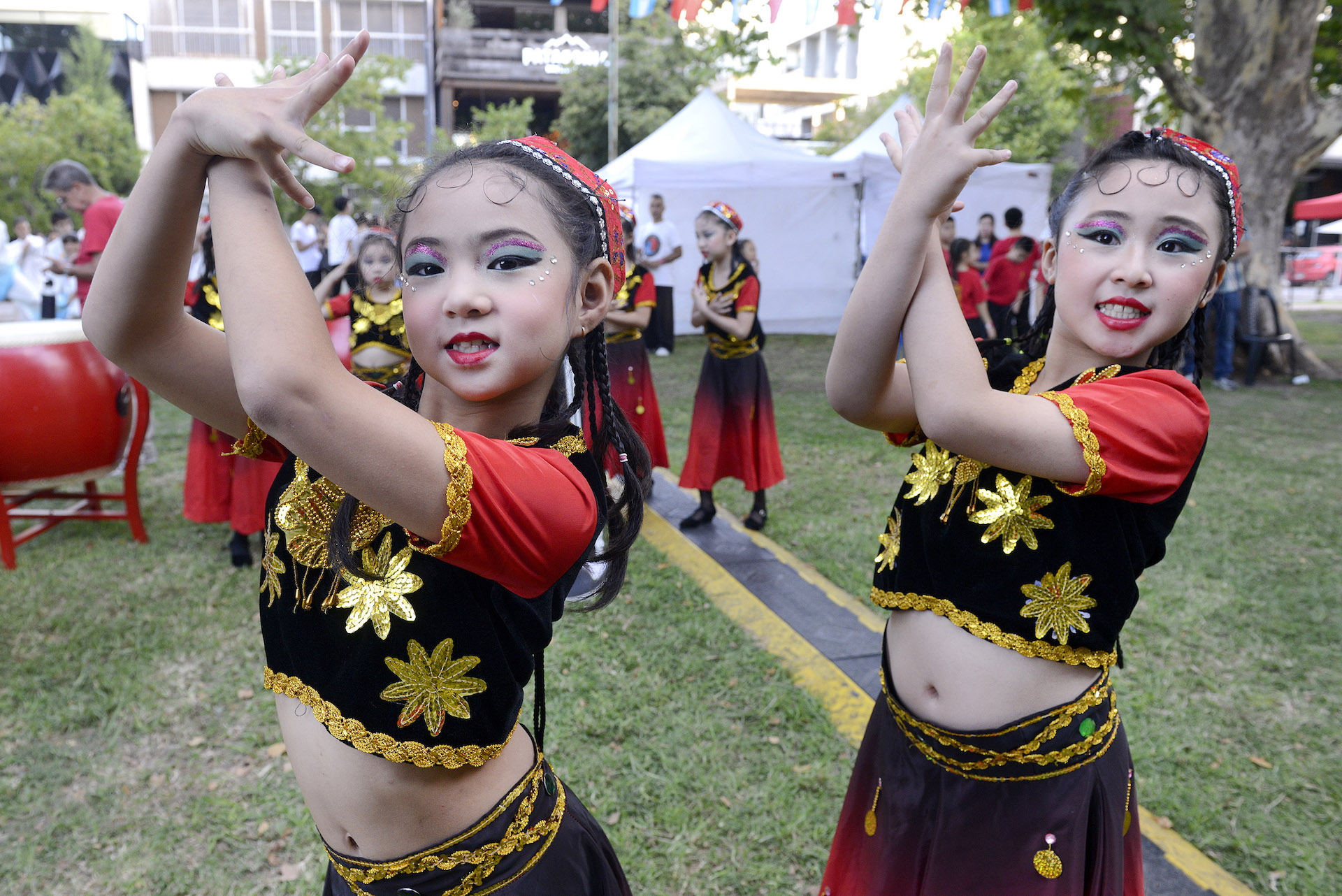 No hubo límites de edad para participar de los festejos. La colectividad china inculca sus tradiciones a los más pequeños.