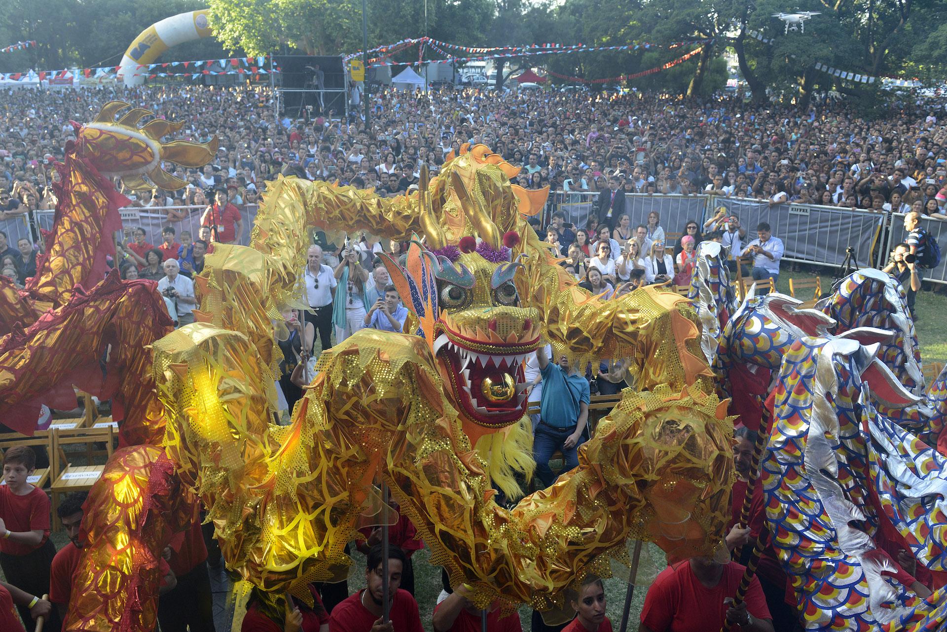 La tradicional Danza de Dragones y Leones ya es un clásico para recibir el Año Nuevo en el Bajo Belgrano.