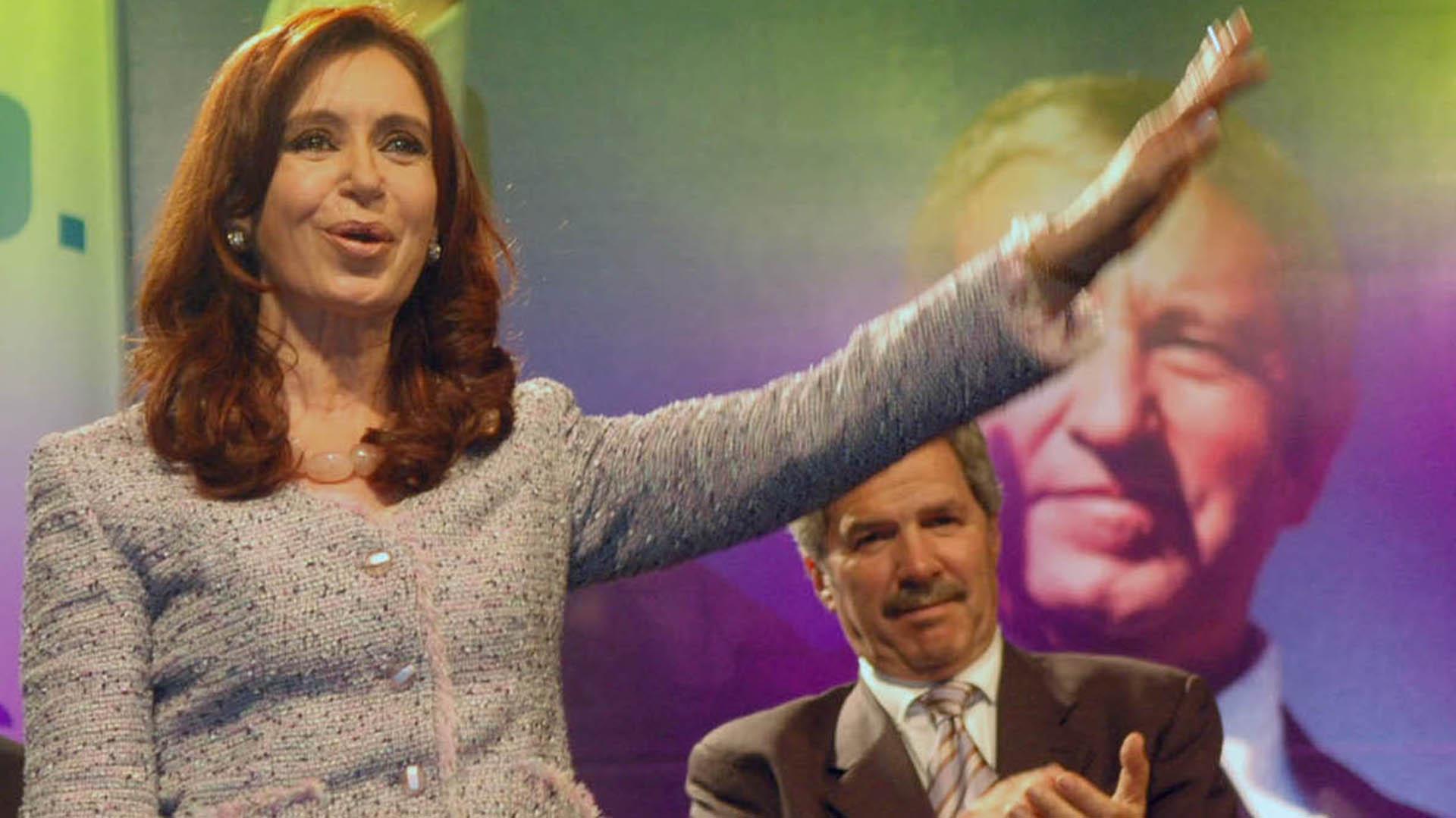 Cristina Kirchner y Felipe Solá, la posible fórmula de Unidad Ciudana para las elecciones 2019 (NA)