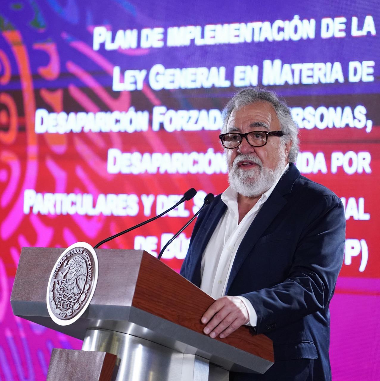 Alejandro Encinas, subsecretario de Derechos Humanos, en la presentación del plan nacional para la búsqueda de desaparecidos (Foto: Presidencia)