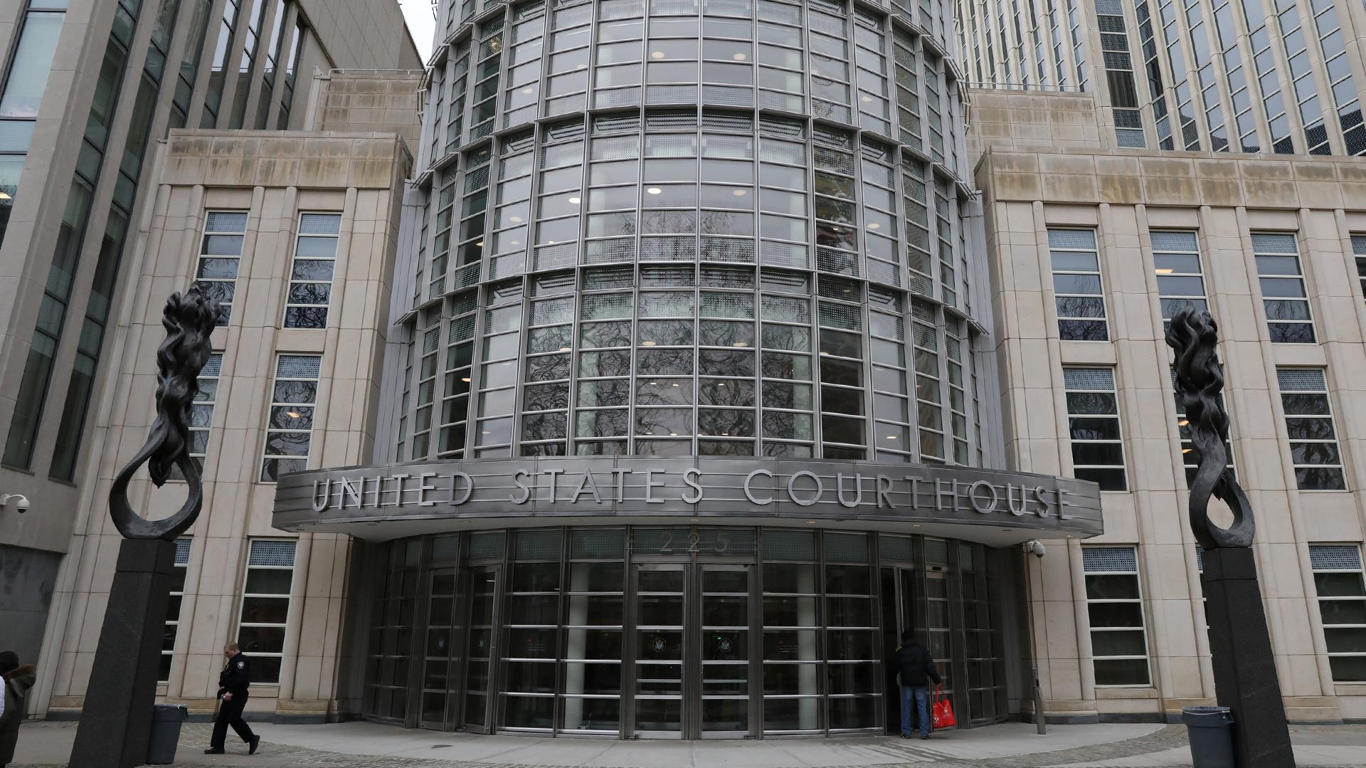Los miembros del jurado comenzaron a deliberar el veredicto del Chapo. (Foto: AFP)