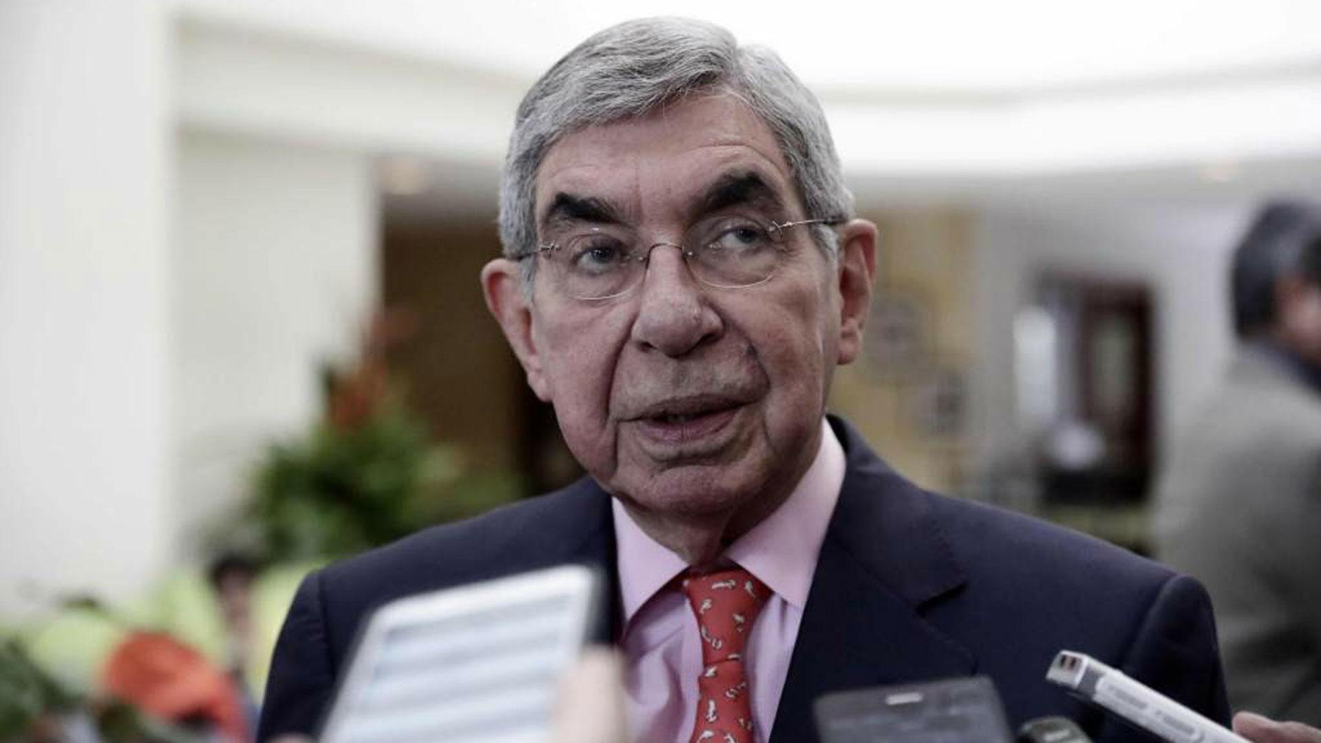 Óscar Arias, ex presidente de Costa Rica y Premio Nobel de la Paz, es acusado de acoso sexual