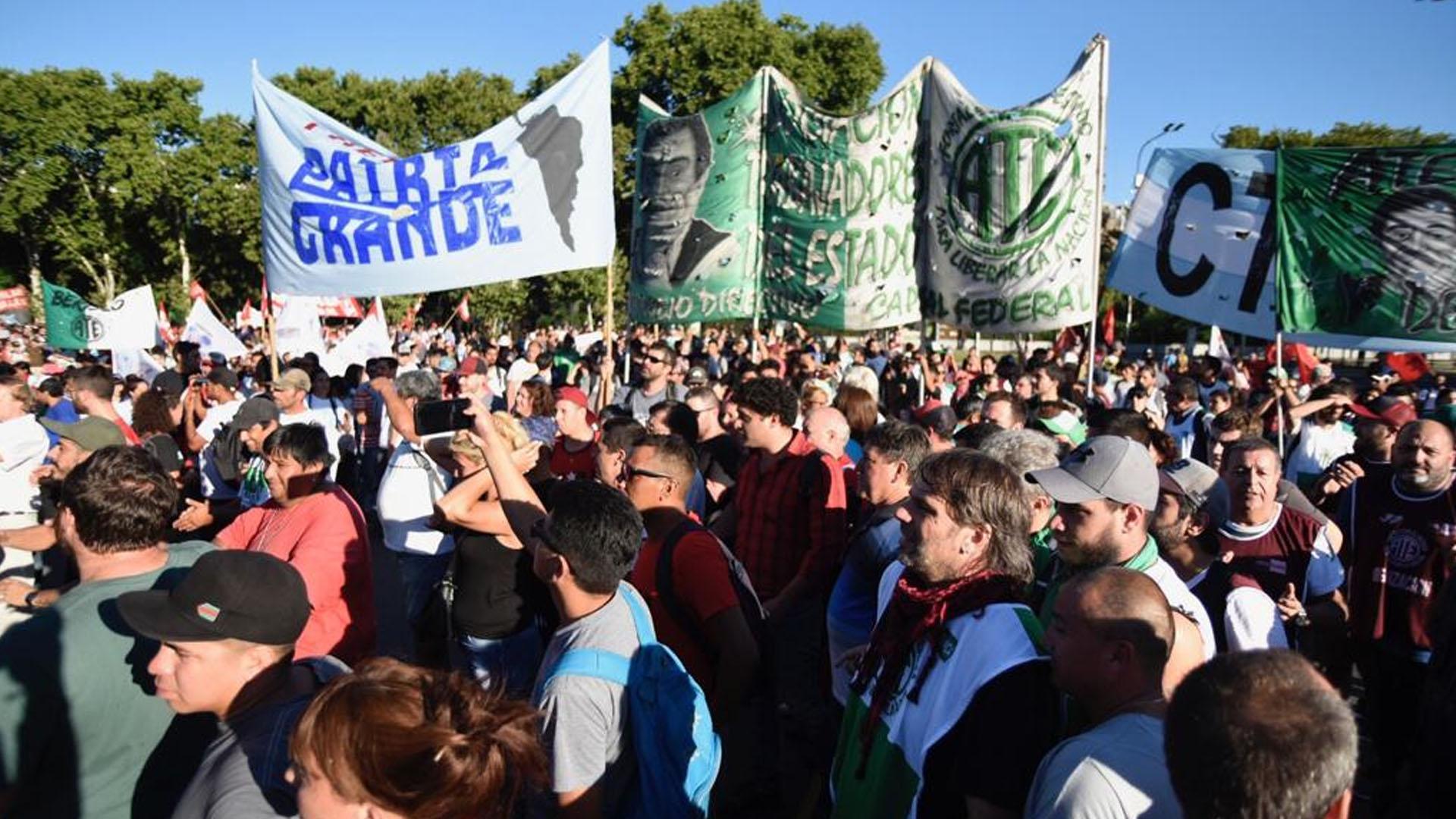 La marcha estuvo integrada por organizaciones sindicales