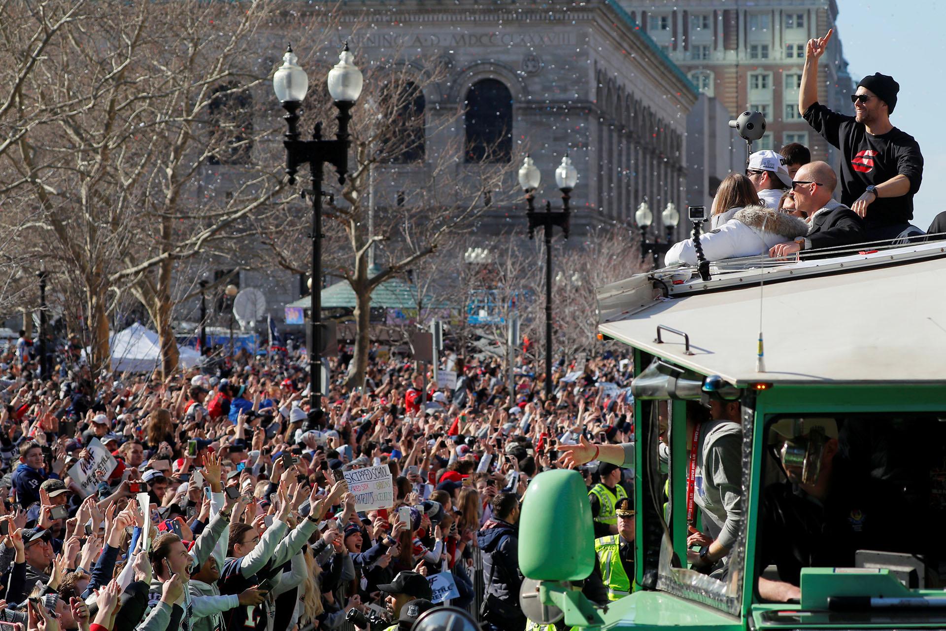 La competida y constreñida victoria de los Patriots de Nueva Inglaterra ante los Rams de Los ángeles fue vista por 100,7 millones de personas en televisión y servicios de streaming