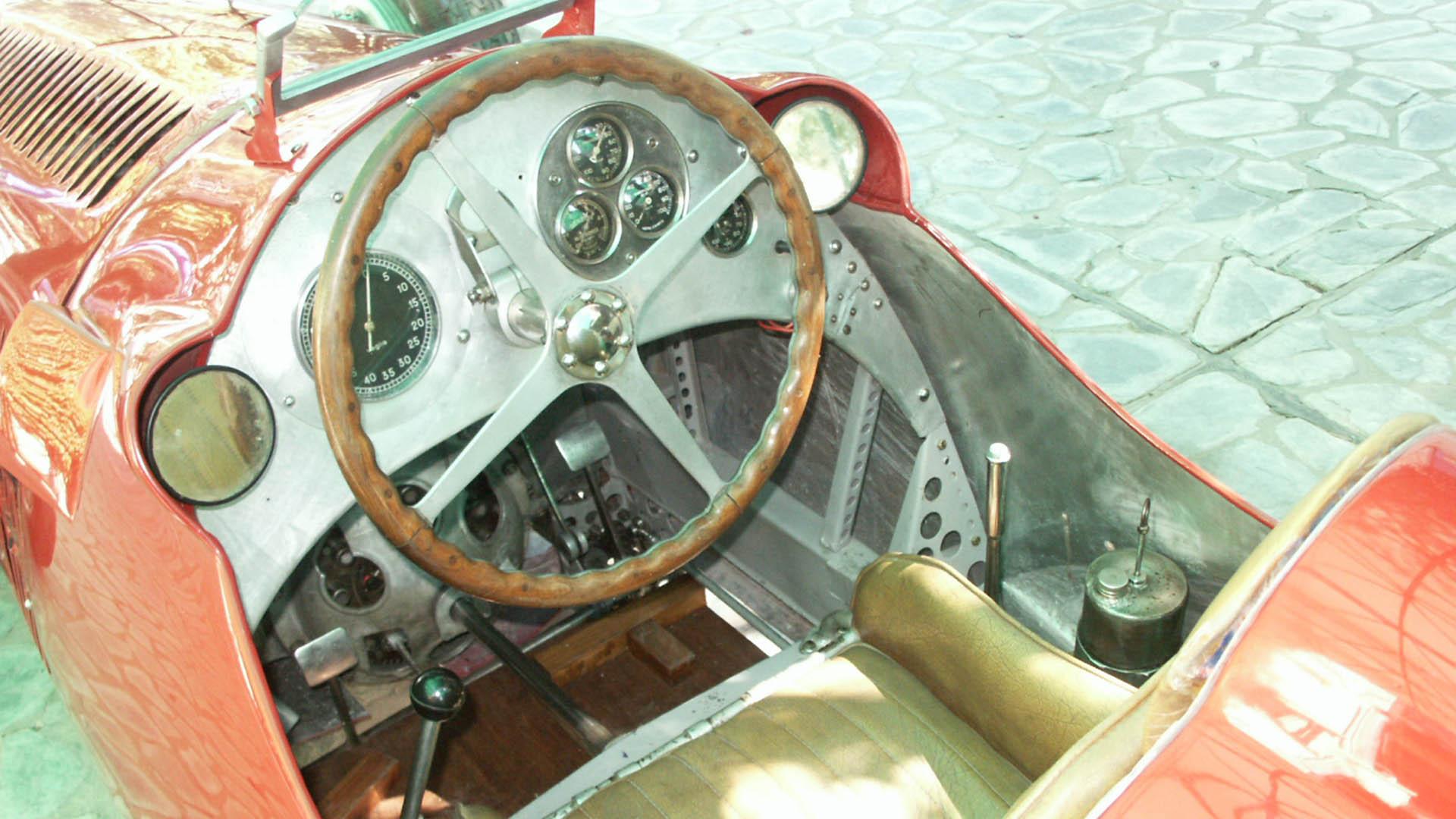 """El auto que corrió el """"Aguilucho es el único en el mundo con motor de 3.800 cm3"""