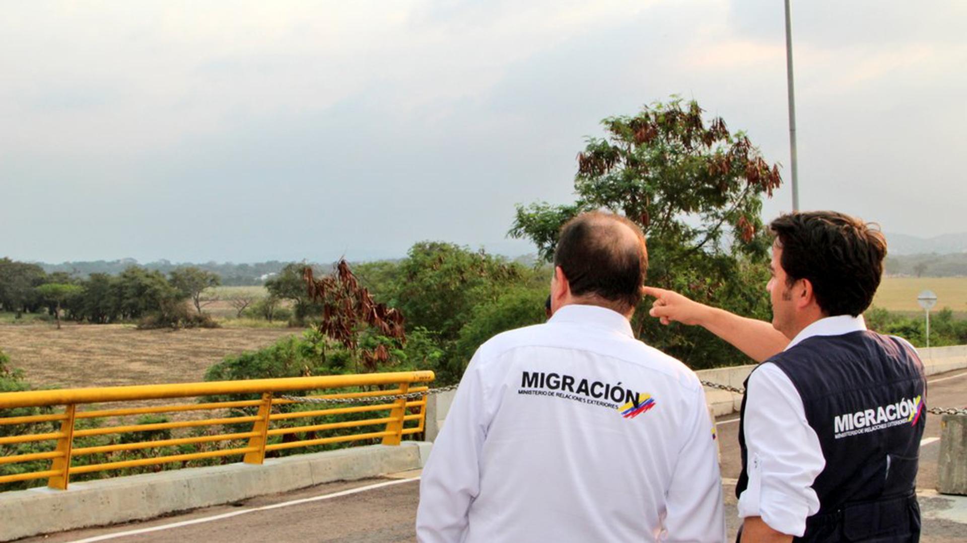 Funcionarios de Migración Colombia (@MigracionCol)