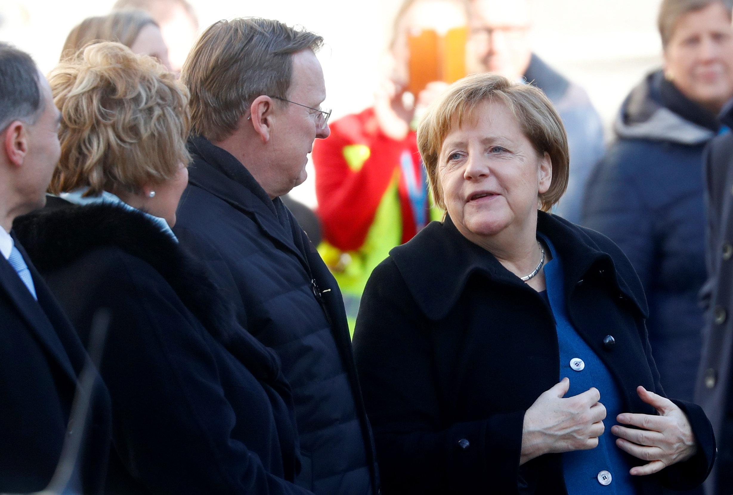 La canciller alemana Angela Merkel en Weimar para celebrar los cien años de la primera constitución democrática de Alemania (Reuters)