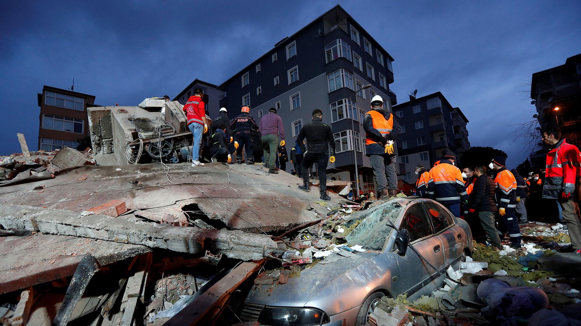 Al momento se desconoce la causa del derrumbe, pero se ha descartado una explosión (Reuters)