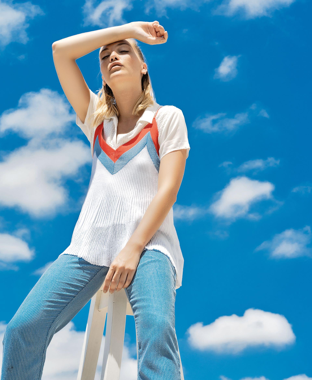 Top de hilo de seda plisado ($ 999, MNG para Falabella), camisa de seda ($ 1.499, Etam) y pantalón masculino ($ 2.500, Vitamina).