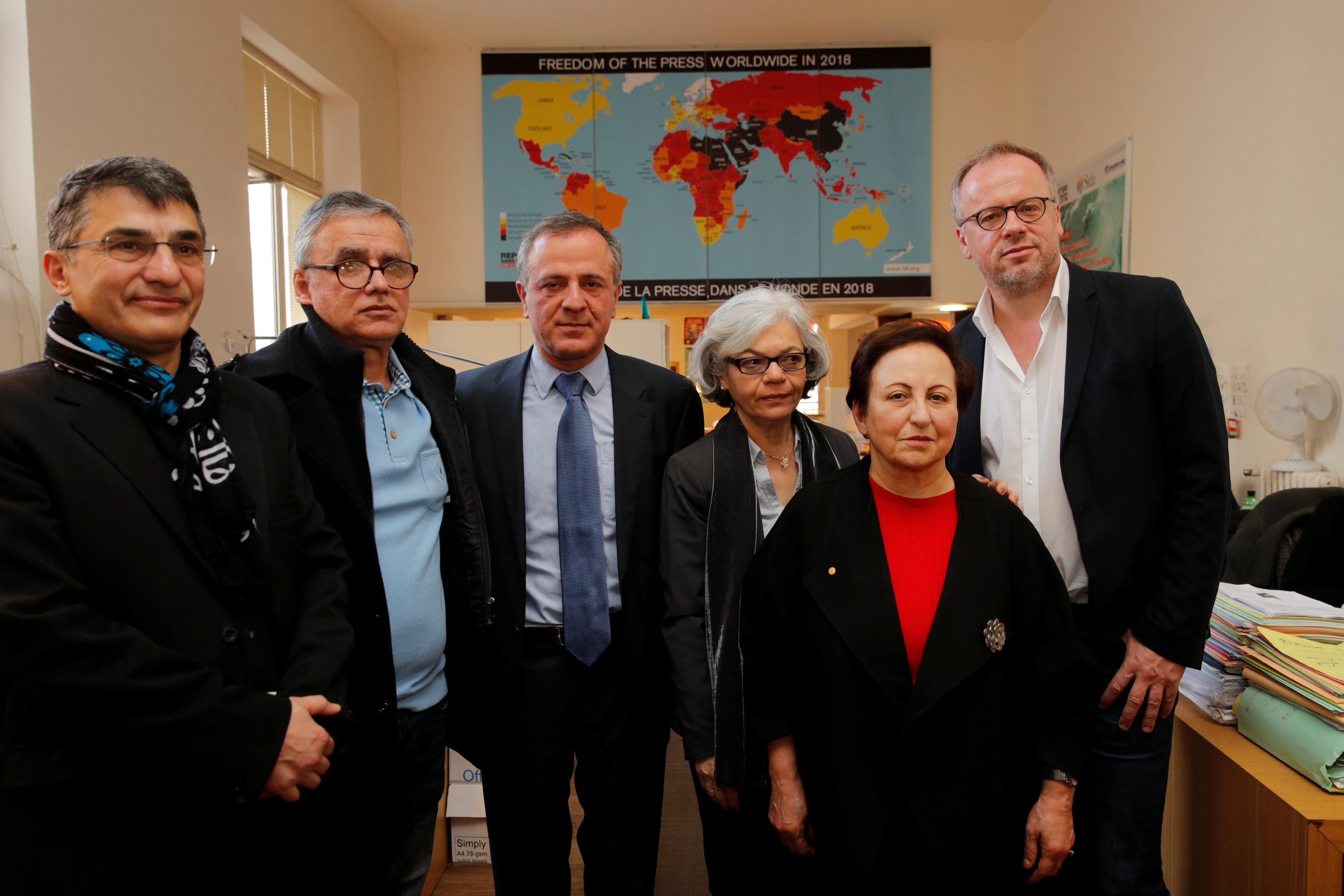 Ejecutivos de Reporteros sin Fronteras en la conferencia de prensa (REUTERS/Philippe Wojazer)