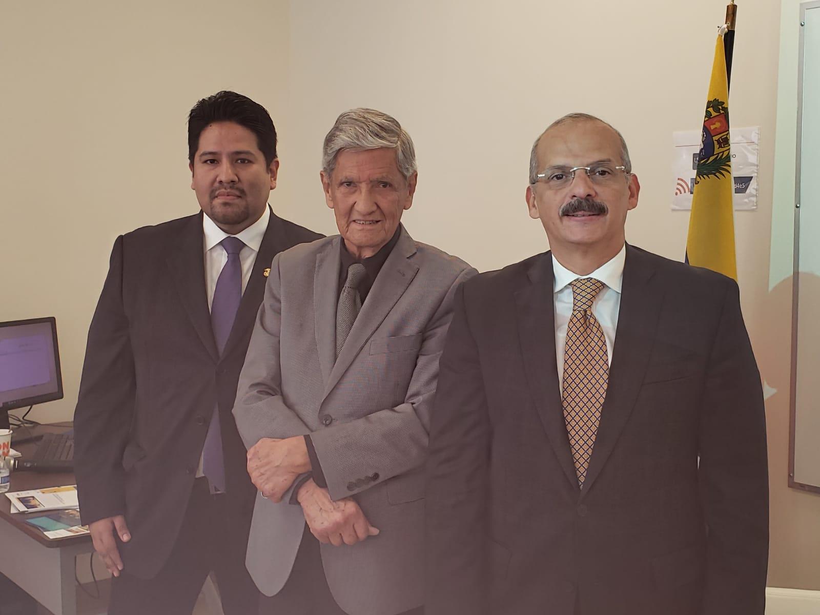 Embajador Armando Valladares, el consultor Joseph Humire y el Magistrado Alejandro Rebolledo