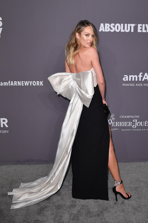 Todo el glamour de Candice Swanepoel en la red carpet