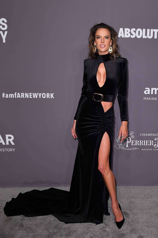 Alessandra Ambrosio y un vestido espectacular /// Fotos: AFP