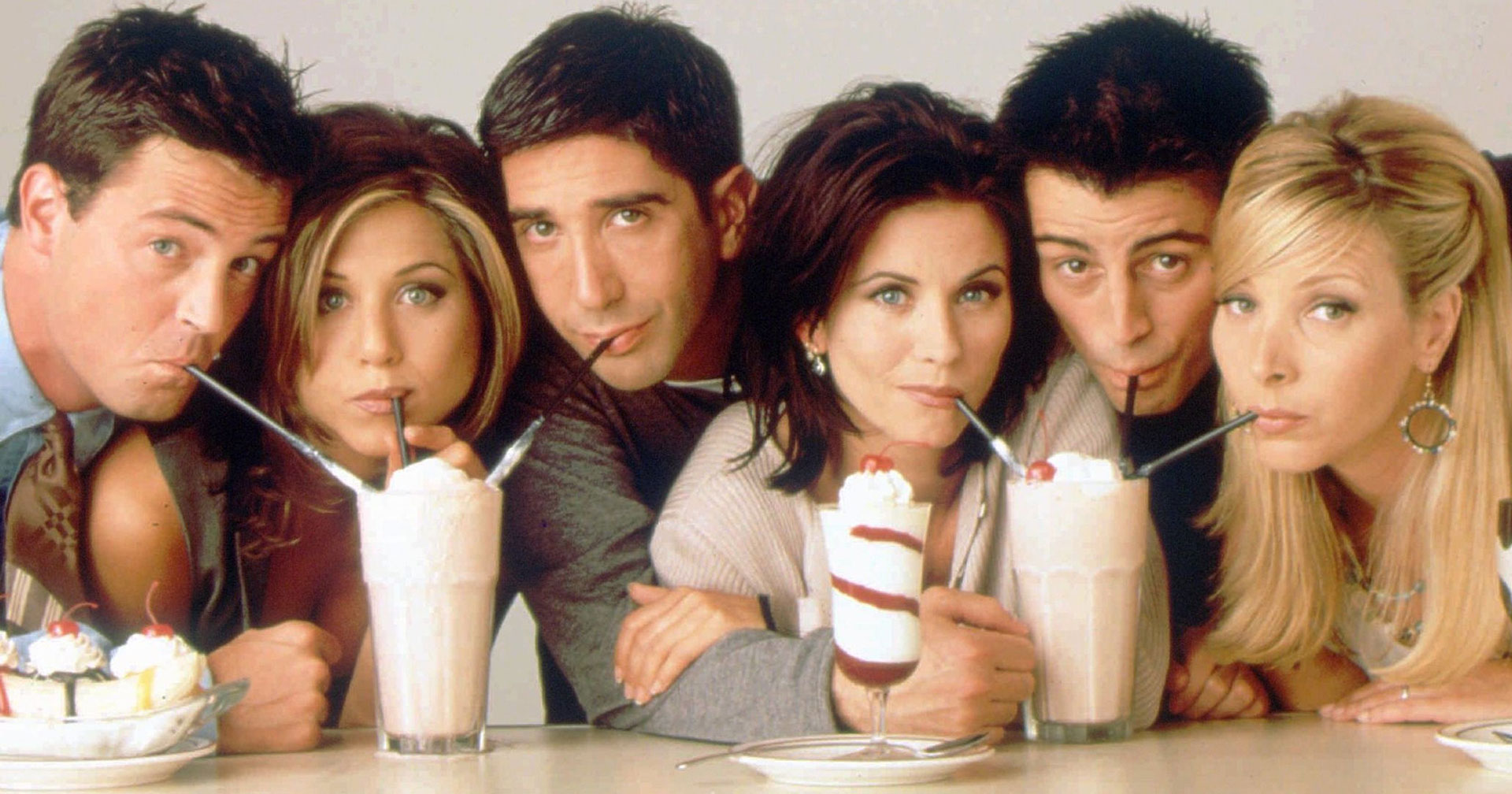 Su fama mundial llegó por Rachel Green, papel que interpretó desde 1994 hasta que terminó la comedia en 2004. Originalmente los productores querían que fuese Monica Geller