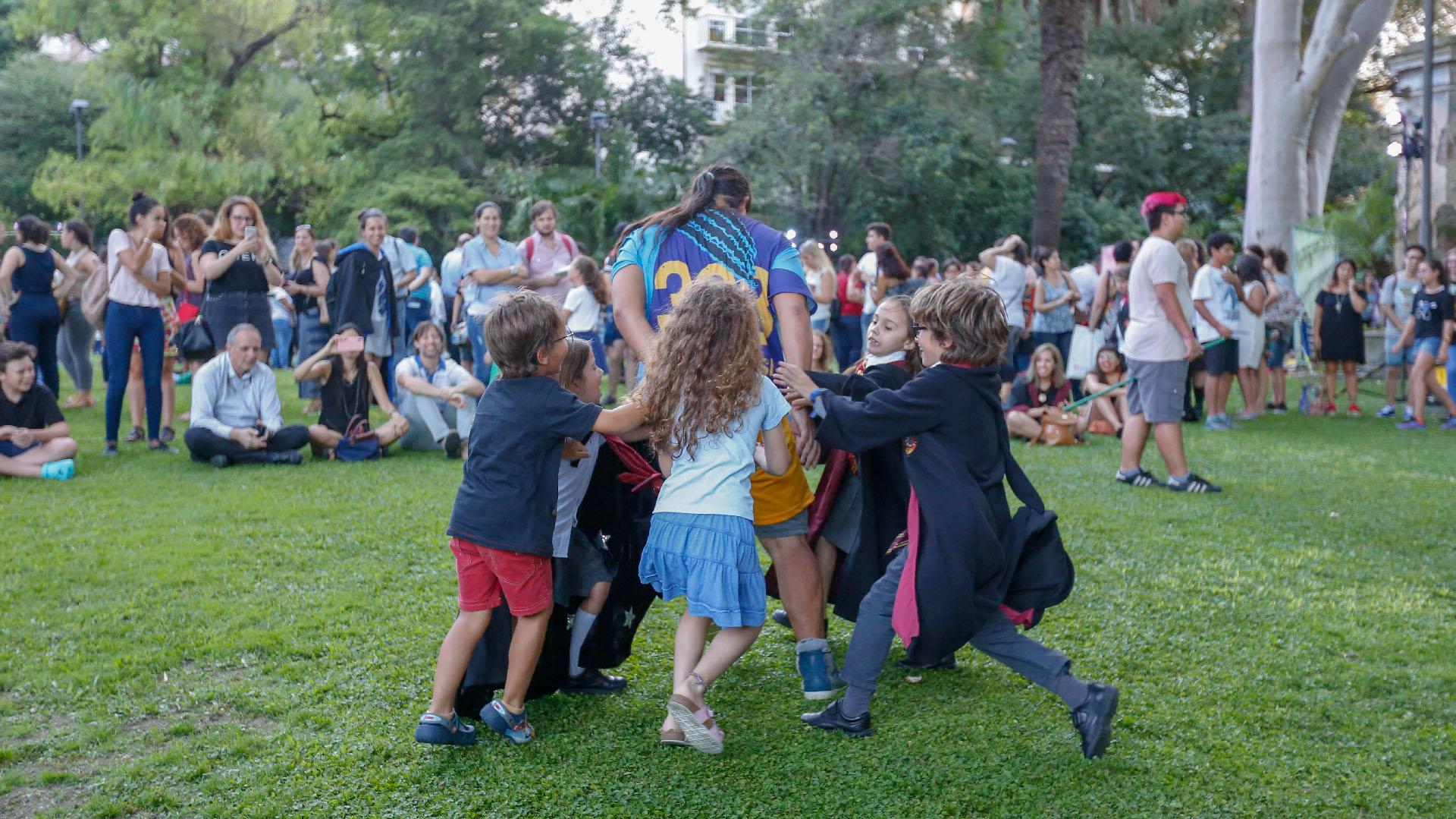 Los niños pudieron disfrutar del deporte de Harry Potter: el quidditch