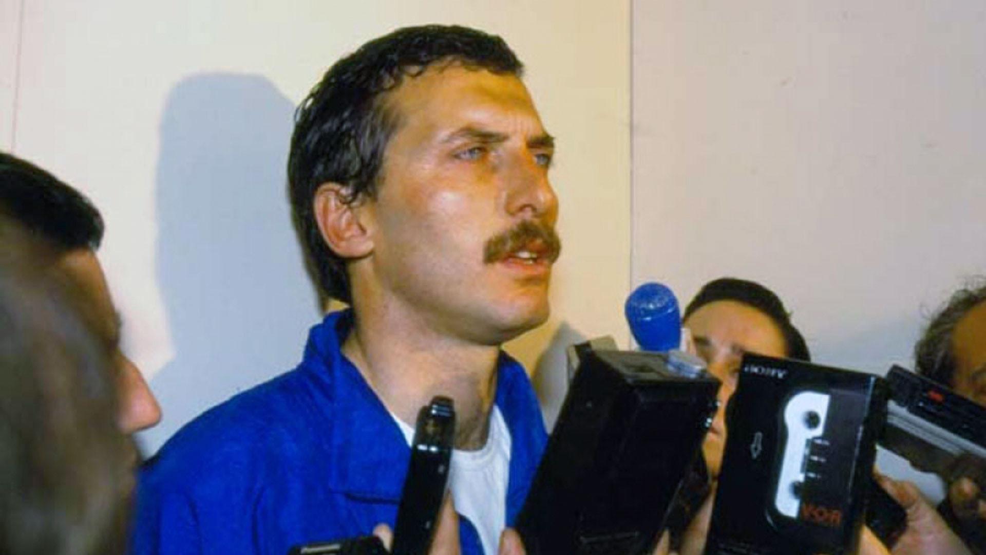 Hablando con la prensa tras el episodio. Macri estuvo cautivo durante 12 días en un sótano en el Bajo Flores.