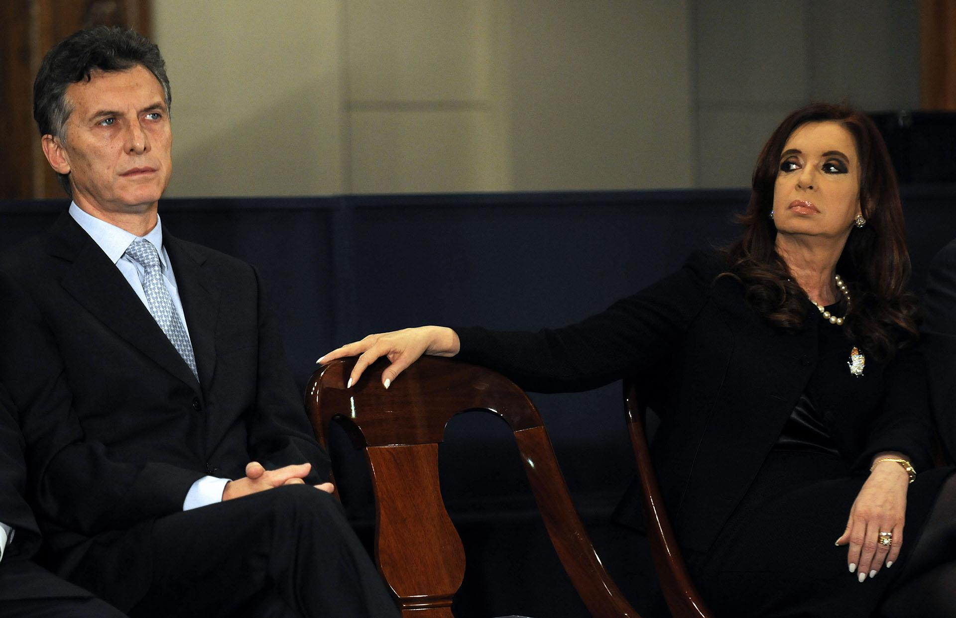2012. Junto a la presidente Cristina Kirchner en la Bolsa de Comercio, en el marco del 158° aniversario de la entidad bursátil porteña