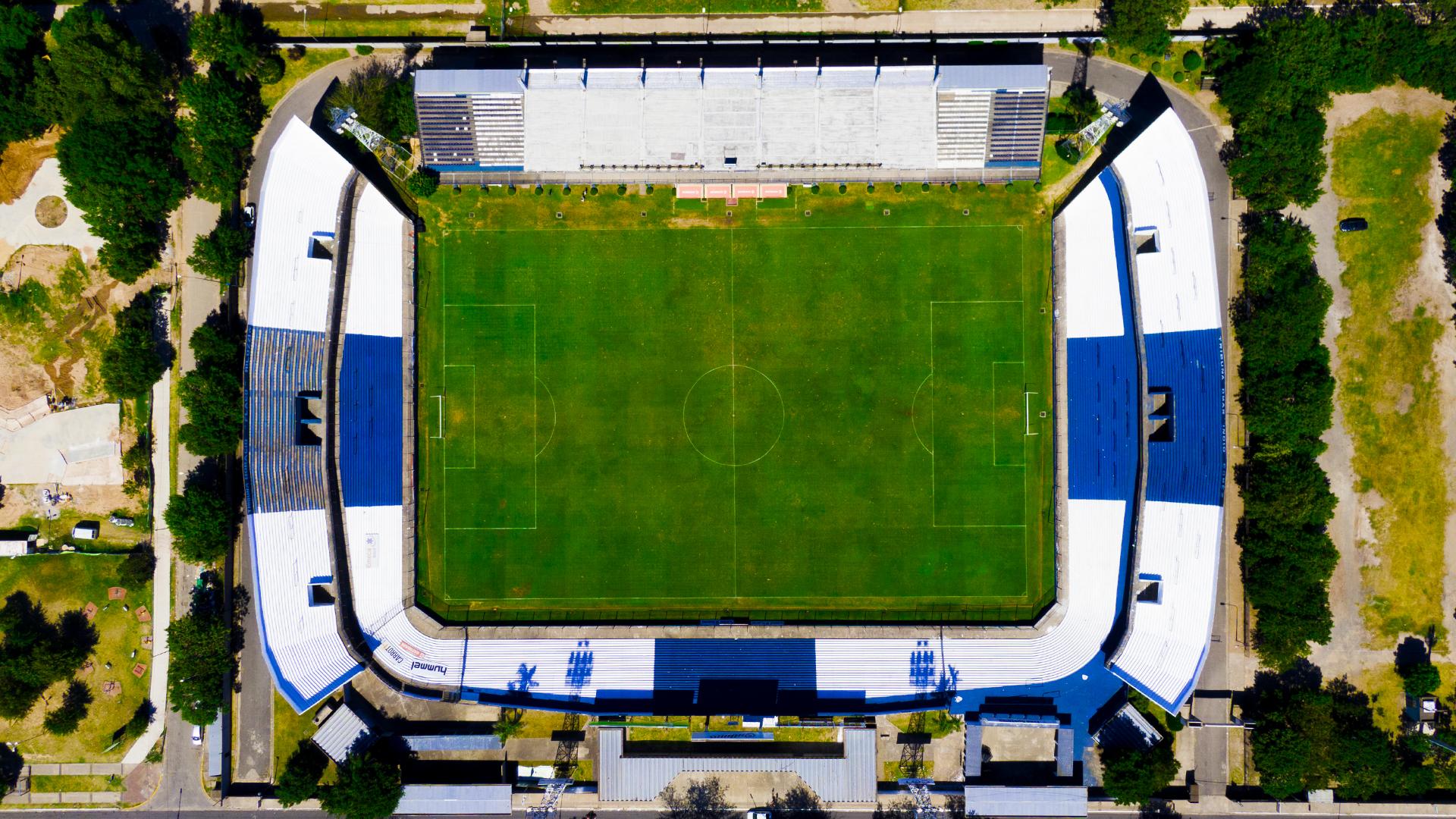 """""""Estadio Centenario Ciudad de Quilmes"""", la casa del """"Cervecero"""" que milita en la B Nacional"""
