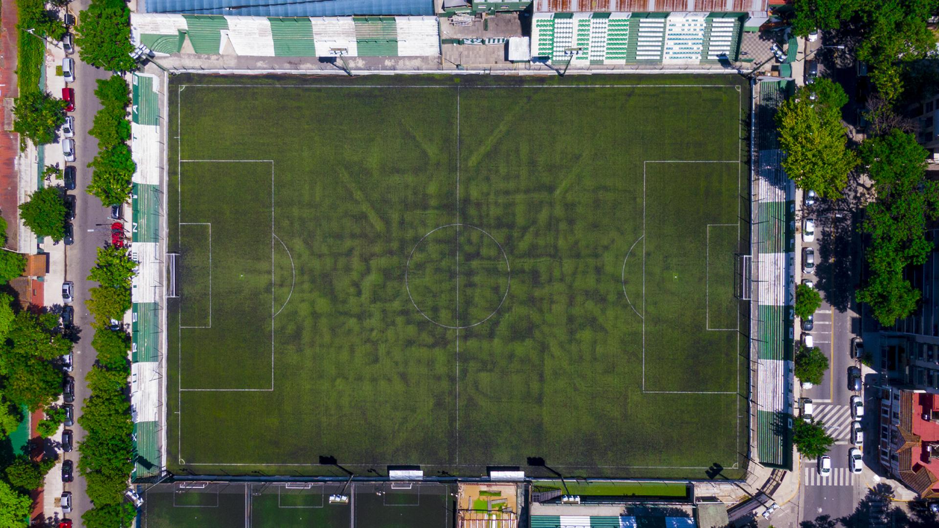 """""""Estadio de Excursionistas"""", recinto del equipo de Primera C que cuenta con césped sintético"""