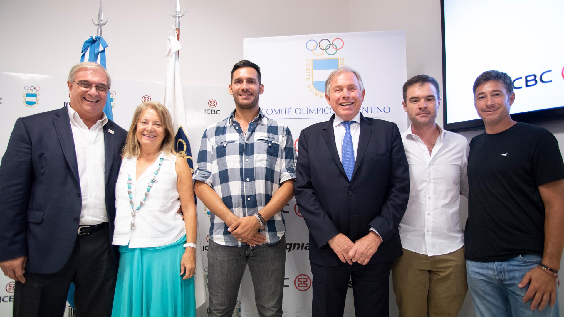 El titular del COA y los representantes de la Comisión de Atletas (Colin Boyle)