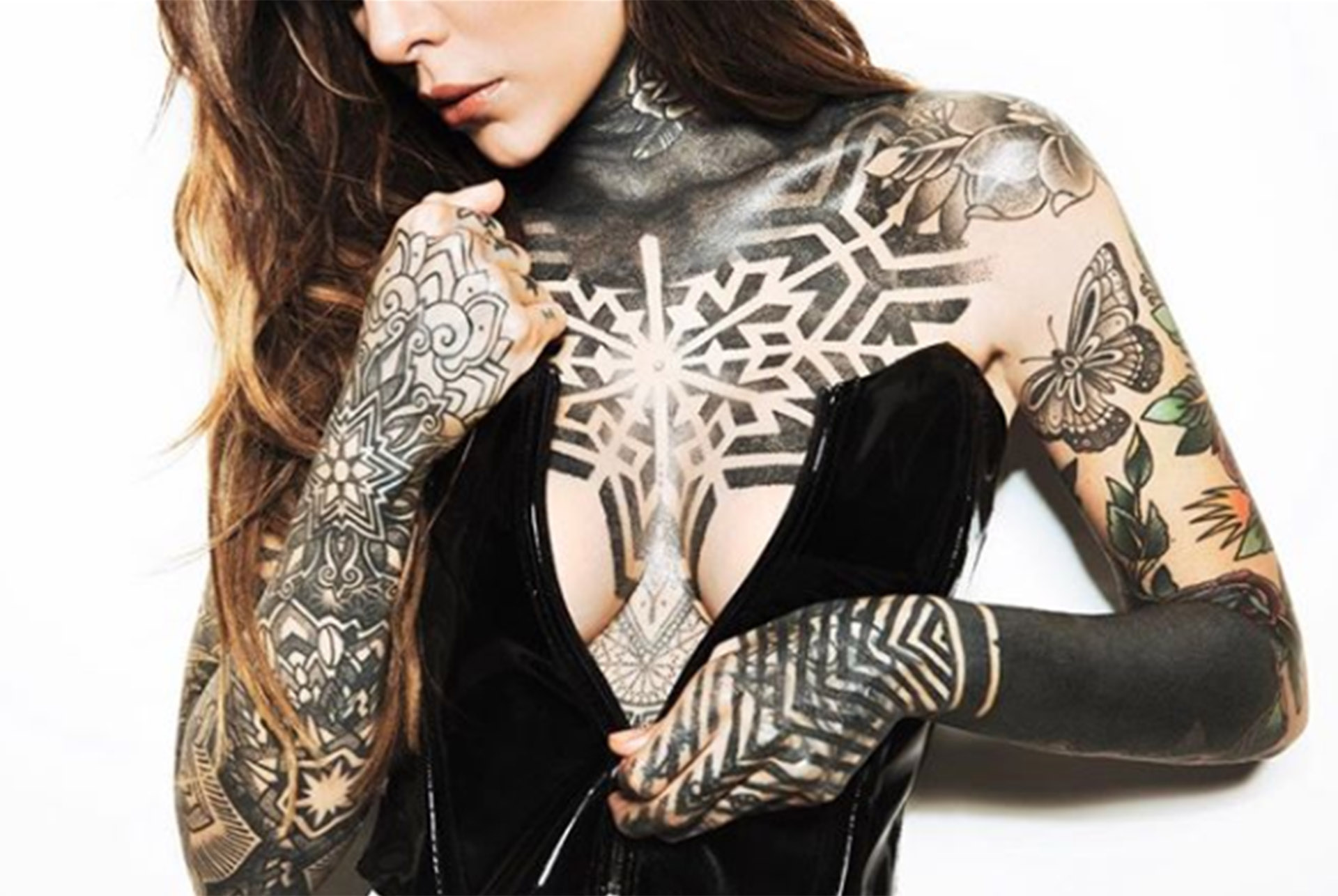 Candelaria Tinelli compartió una foto en Instagram mostrando sus diversos tatuajes(Foto: Instagram)
