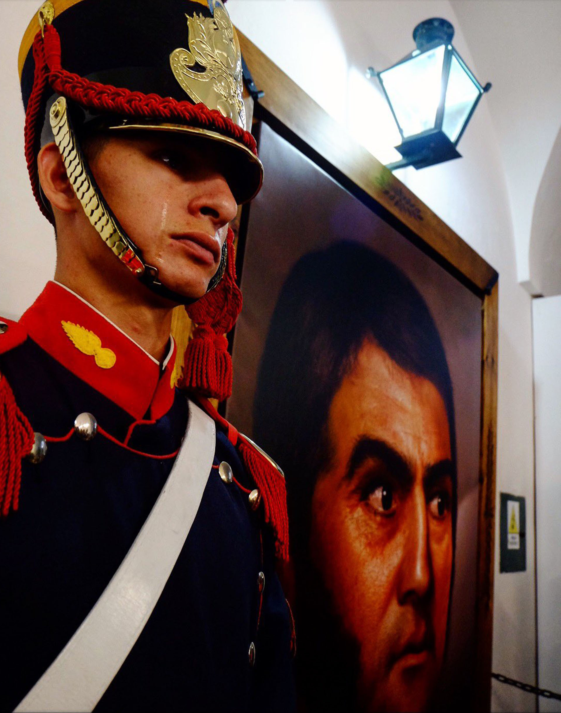 Darío Benítez presta servicio en la Casa Rosada y es el único granadero de su pueblo en Misiones (@Granaderosarg)