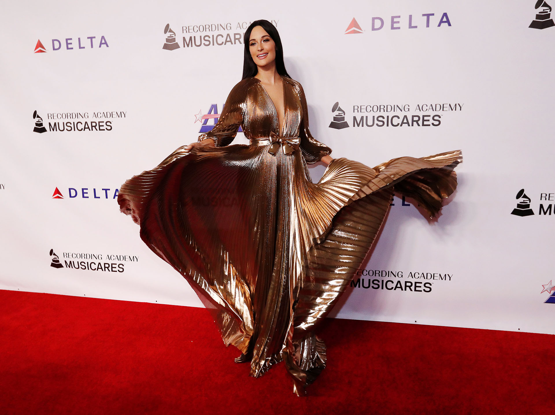 El espectacular vestido de Kacey Musgraves /// Fotos: Reuters