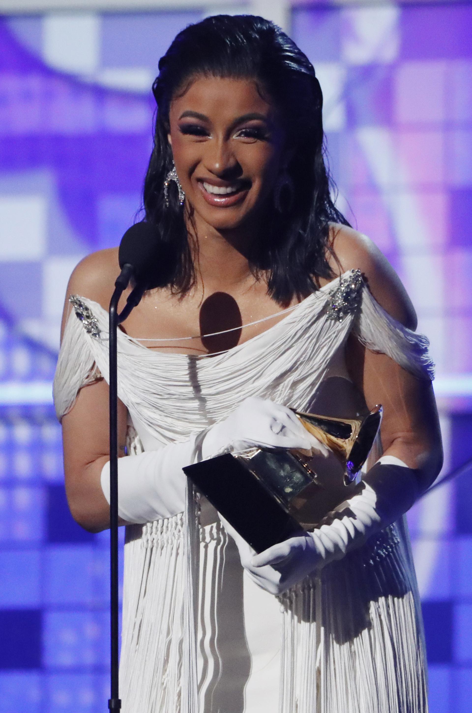 """Cardi B hizo historia al convertirse en la primera mujer en ganar Mejor disco de rap por""""Invasion of Privacy"""" (REUTERS/Mike Blake)"""