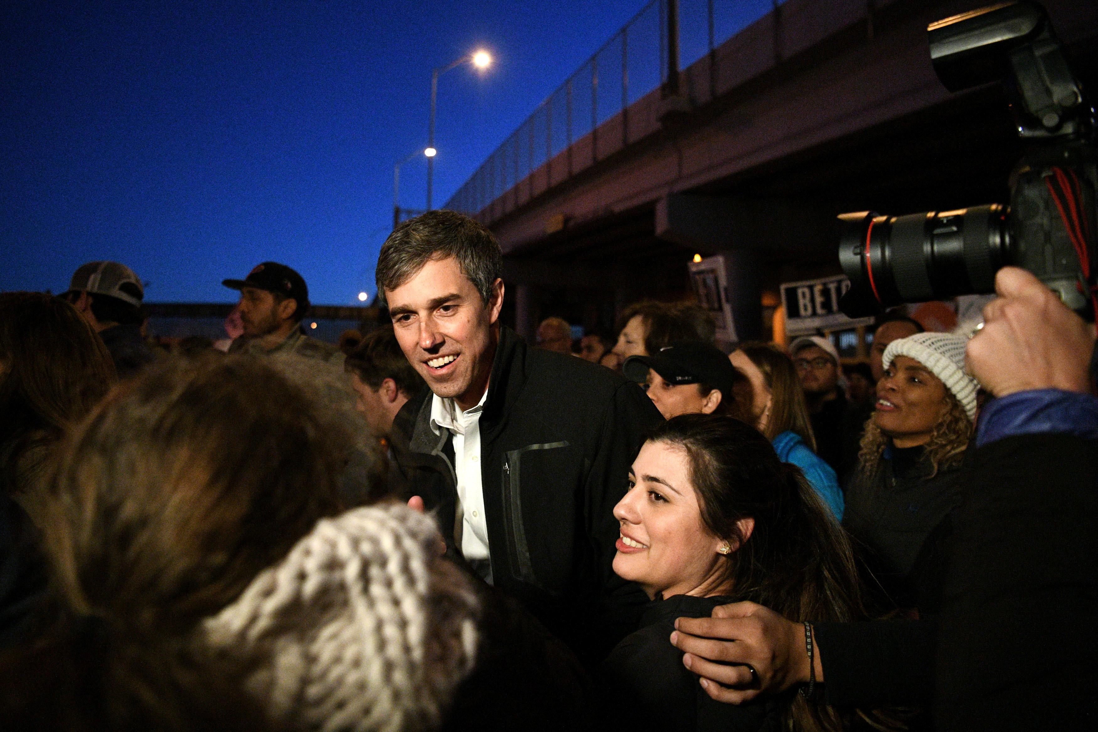 Beto O'Rourke durante la marcha anti Trump en El Paso (REUTERS/Loren Elliott)