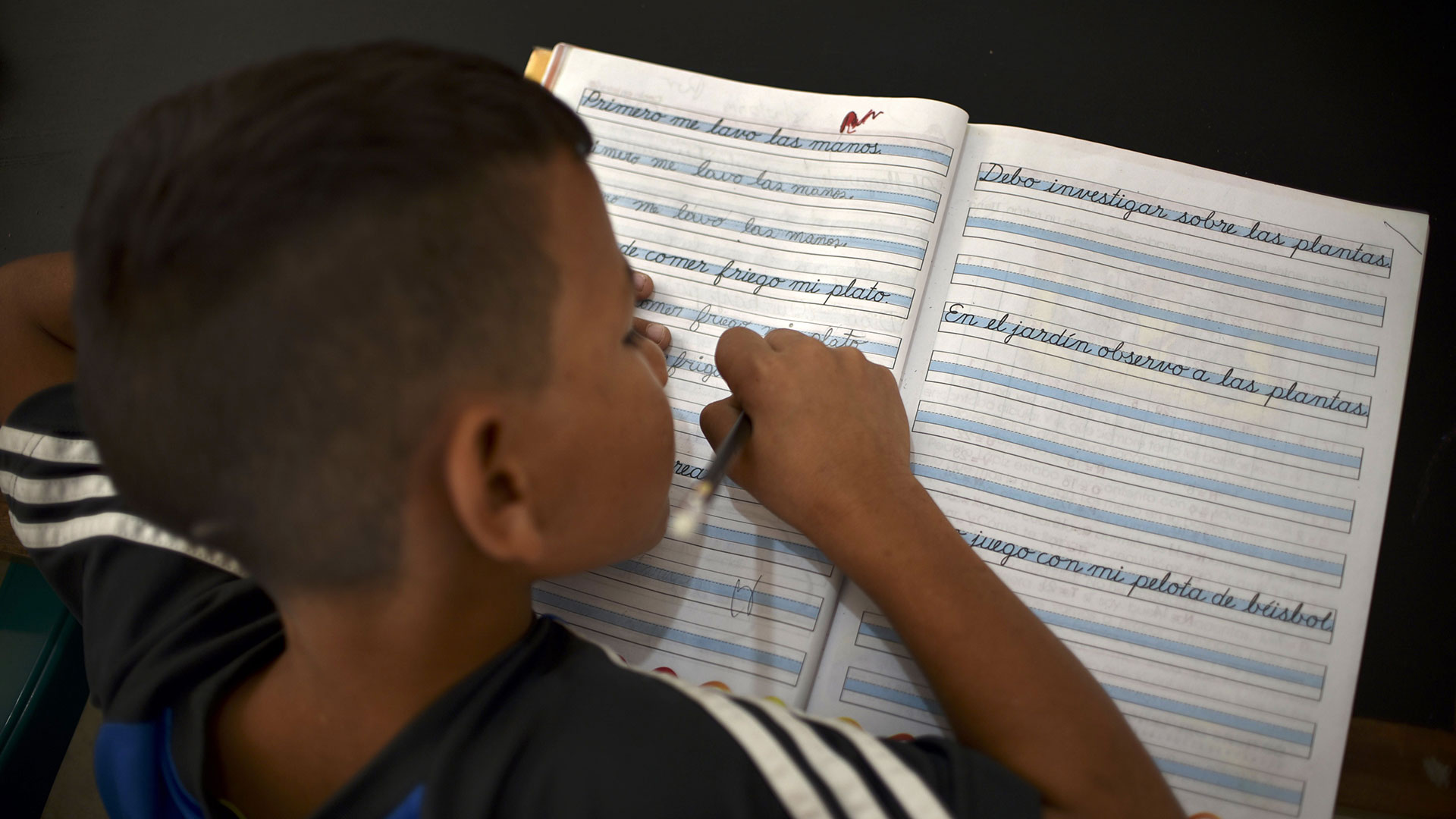 Un pequeño estudiante (AFP)