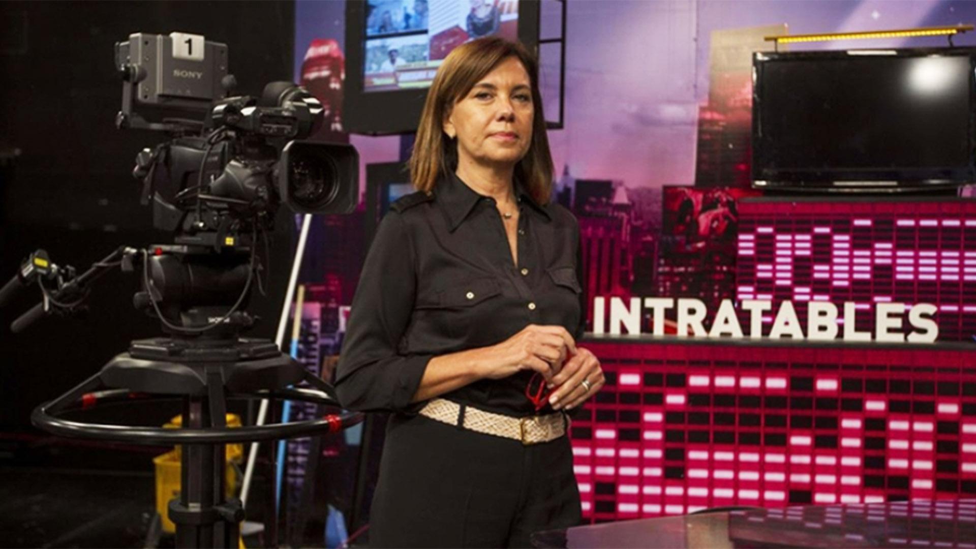 """Liliana Parodi, delante la escenografía de un programa insignia de América: """"Intratables"""""""
