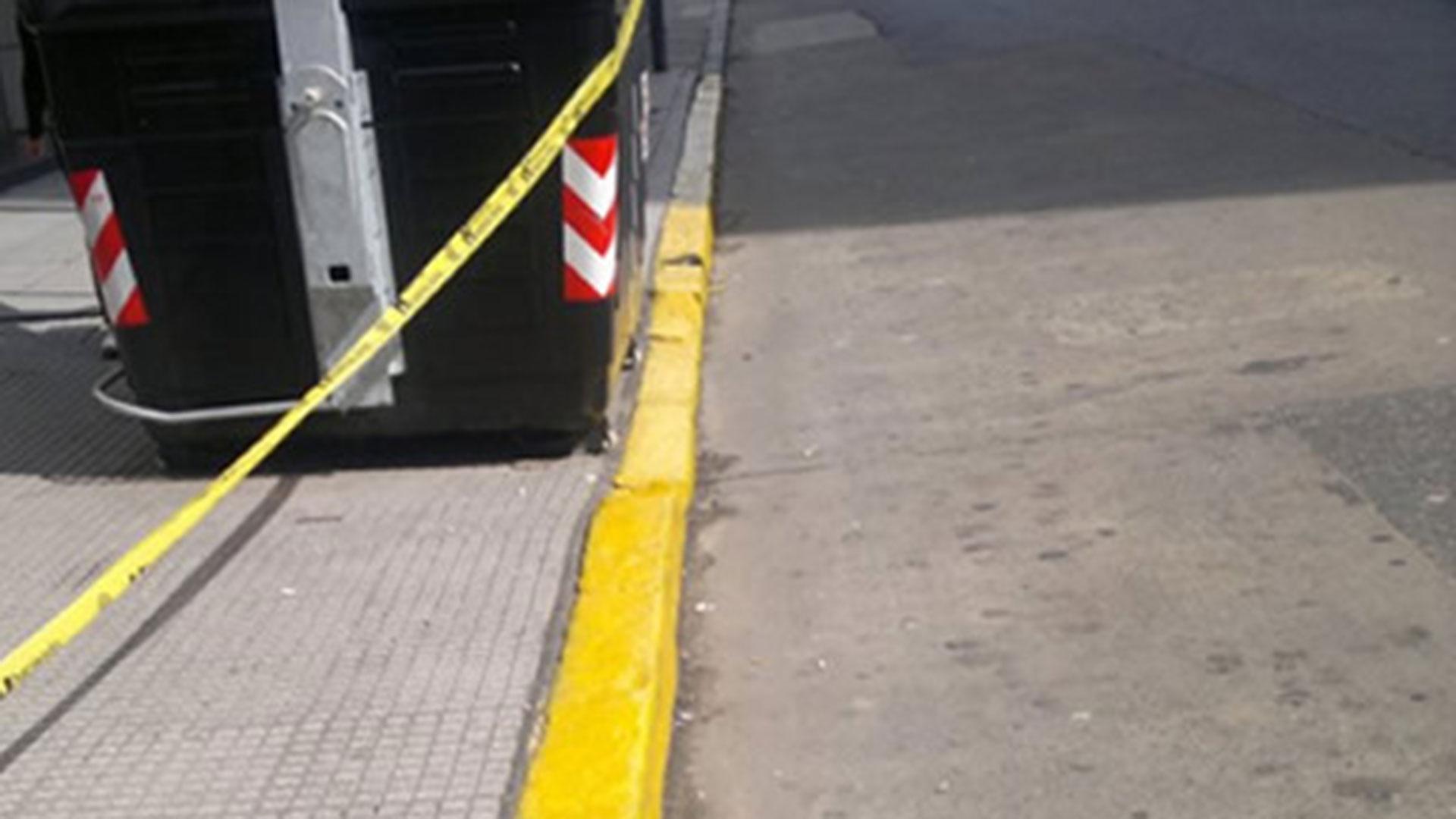 ILEGAL: la línea amarilla fue pintada en un lugar donde no hay garaje