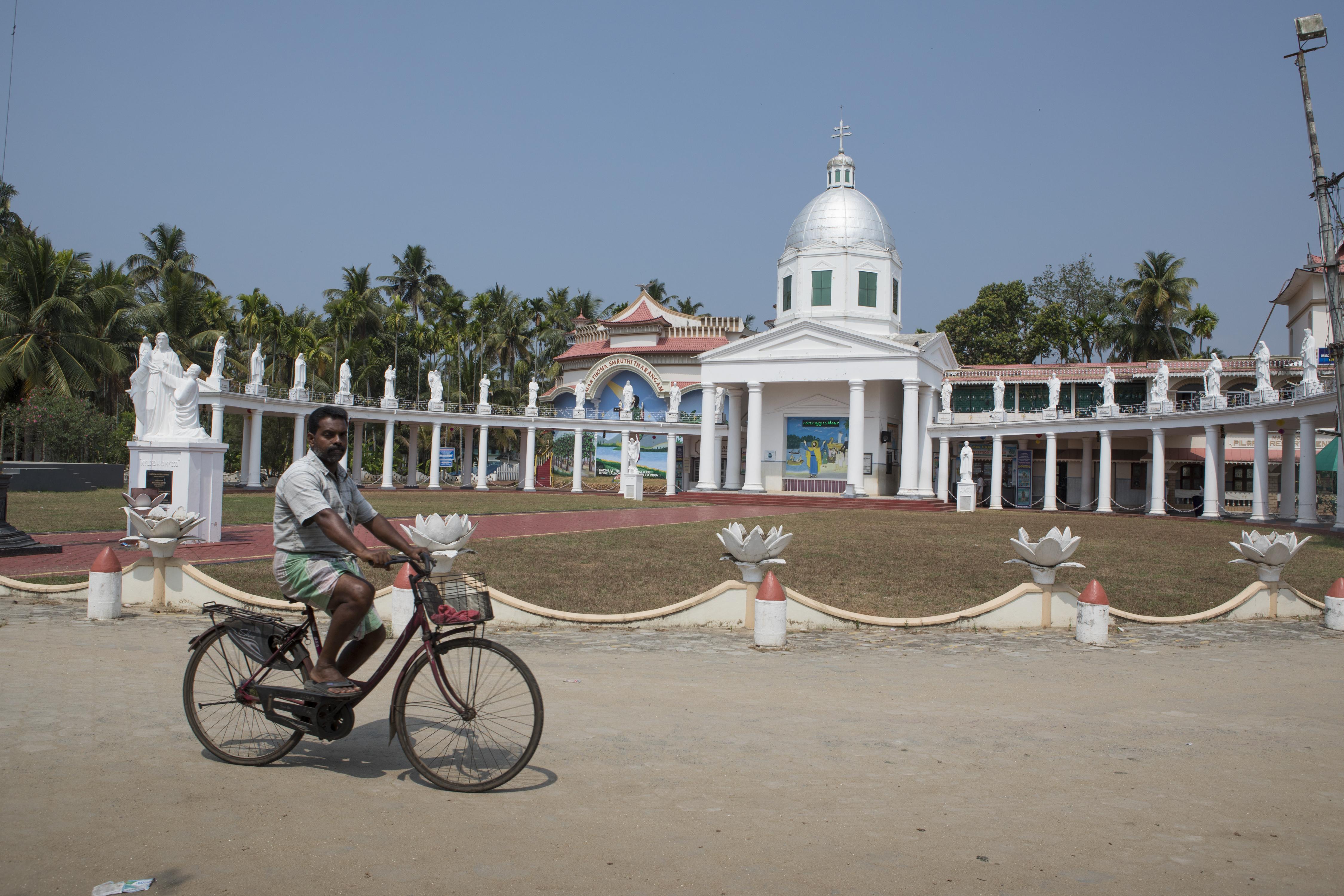 La iglesia de Mar Thoma en Kerala está ubicada en el sitio donde los católicos indios creen que Tomás, el apóstol de Jesús, desembarcó para llevar el cristianismo a la India. La fe está muy arraigada en Kerala. Samyukta Lakshmi para The New York Times