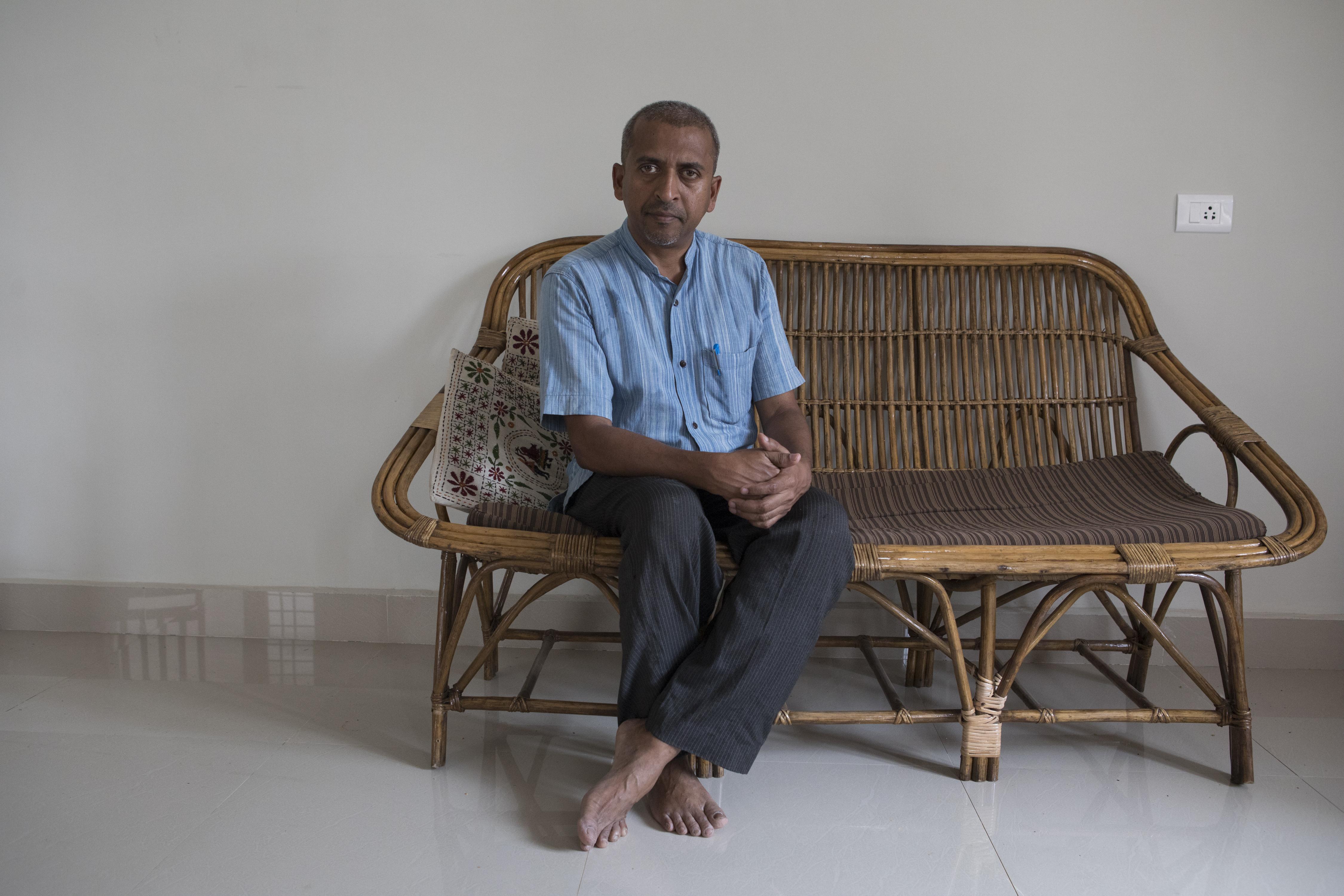 """""""La iglesia está perdiendo su autoridad moral"""", dijo el padre Augustine Vattoly, un sacerdote en Kerala. """"Estamos perdiendo la fe de las personas"""". Samyukta Lakshmi para The New York Times"""