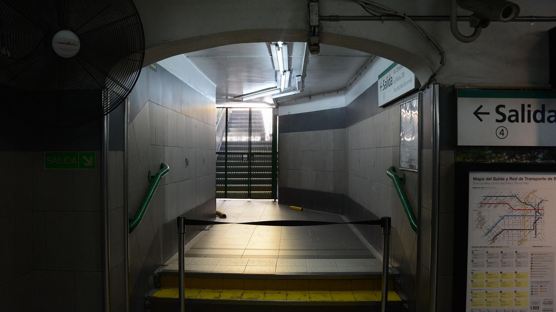 Estación Carranza, línea D