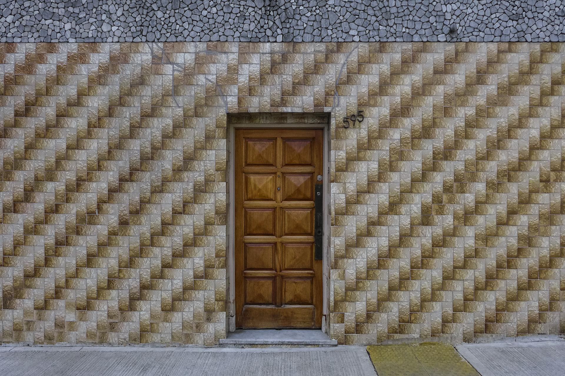 Frente con puerta (Barracas, BA, 2018)