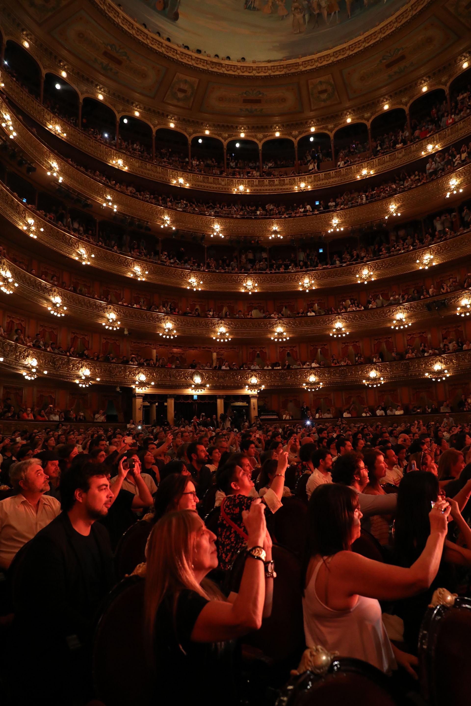 El público coreo todas las canciones de los artistas
