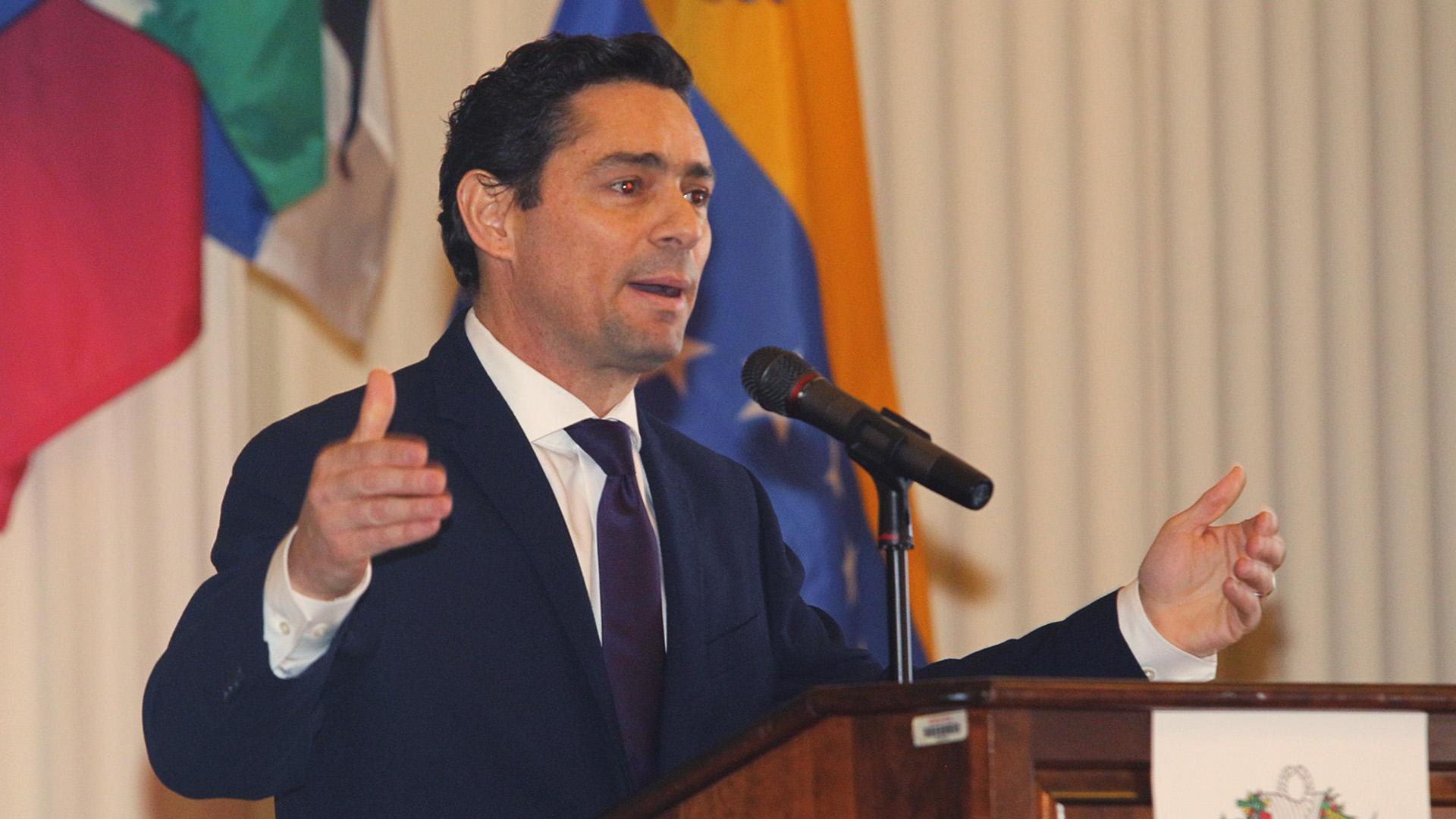 Carlos Vecchio, el embajador del gobierno interino