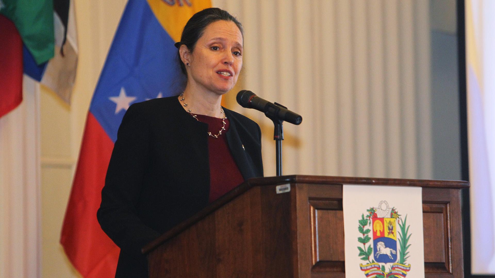 La embajadora de Canadá ante la OEA, Jennifer May Lote