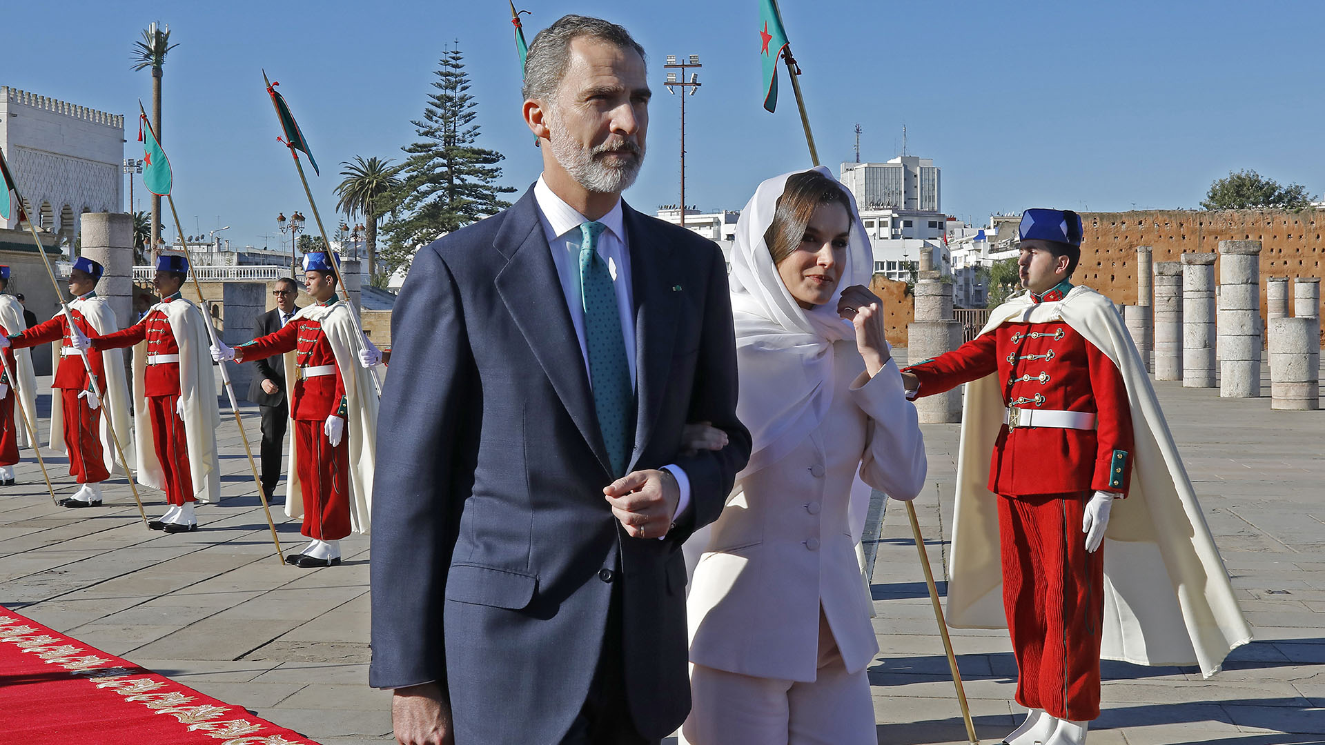 King Felipe of Spain (L) and Queen Letizia arrive at the mausoleum of Mohammed V in Morocco's capital Rabat, on February 14, 2019, during an official visit. (Photo by STRINGER / AFP) /