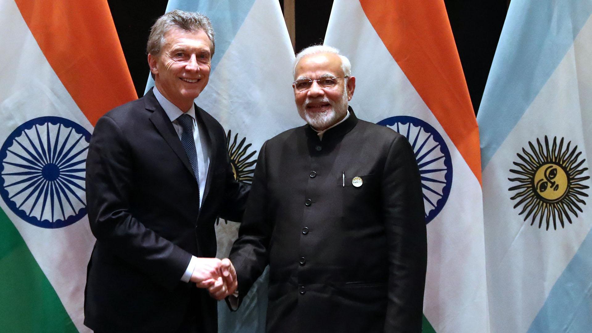 El presidente argentino ya está en la India y una vez subido al avión se desató una serie de críticas por el costo del pasaje, por unos supuestos comentarios de la vicepresidenta en el 2016 sobre el modelo indio y un sinfín de idas y vueltas que cansan porque no construyen nada.