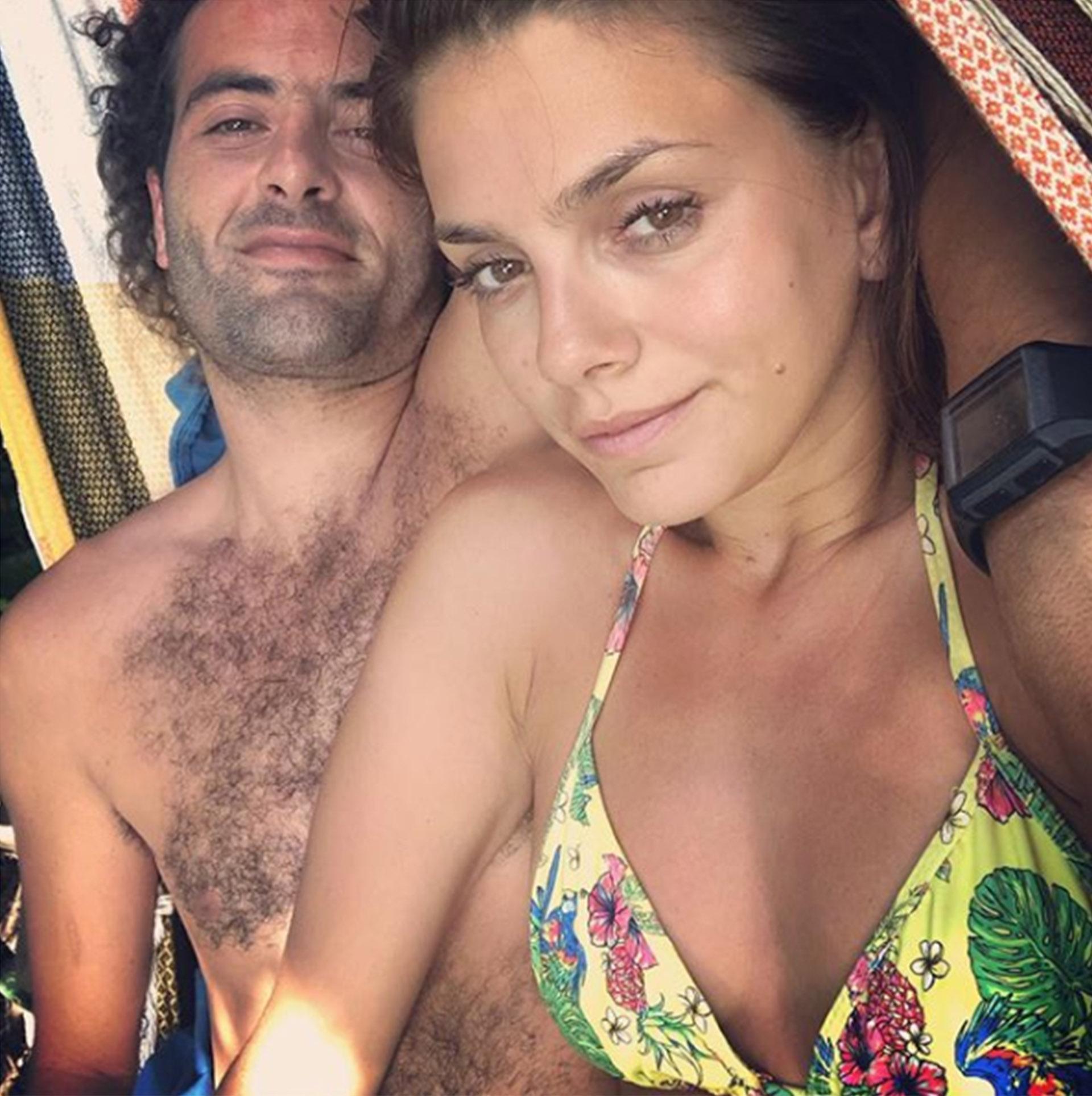 Natalie Pérez le dedicó una postal a su novio para el día de los enamorados, la foto recibió muchas críticas hacia su pareja y la actriz le respondió a sus haters