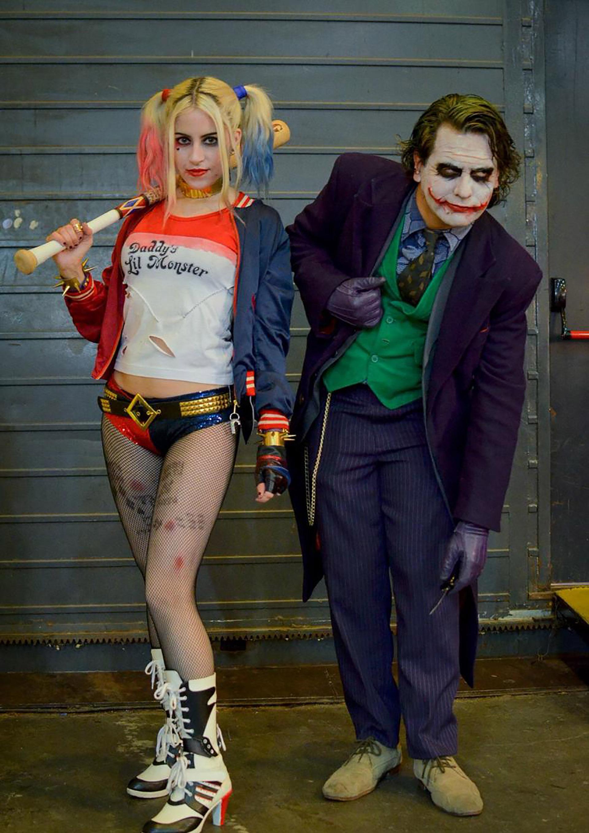 Jessica con su esposo Leandro. Comparten lapasión por el cosplay (ONB)