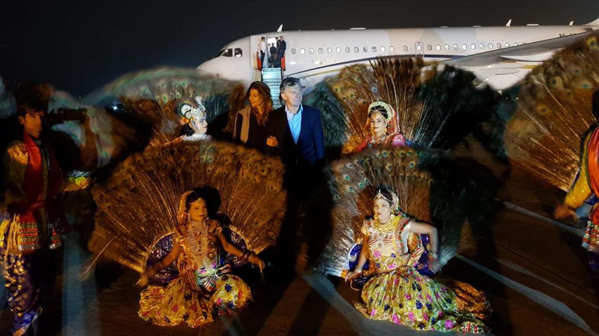 El presidente Mauricio Macri y su esposa Juliana Awada fueron recibidos de una forma especial en la ciudad de Agra