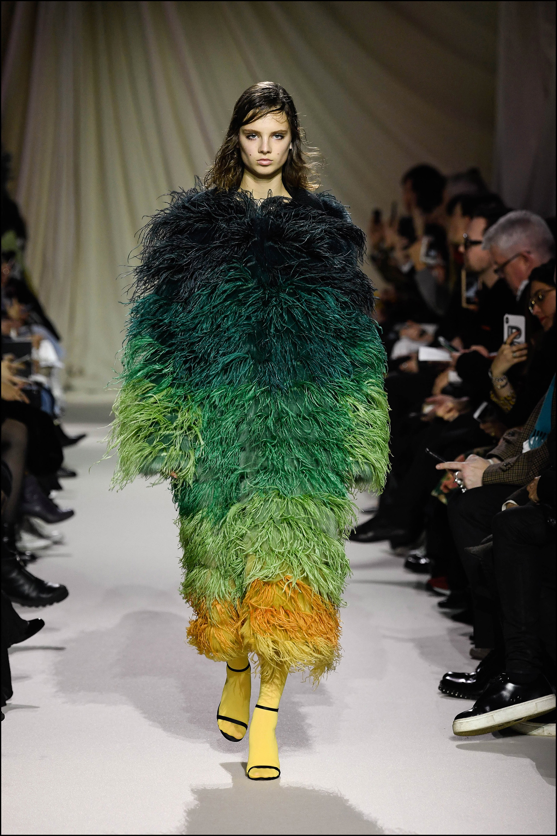 Mega abrigos de pelo multicolor.