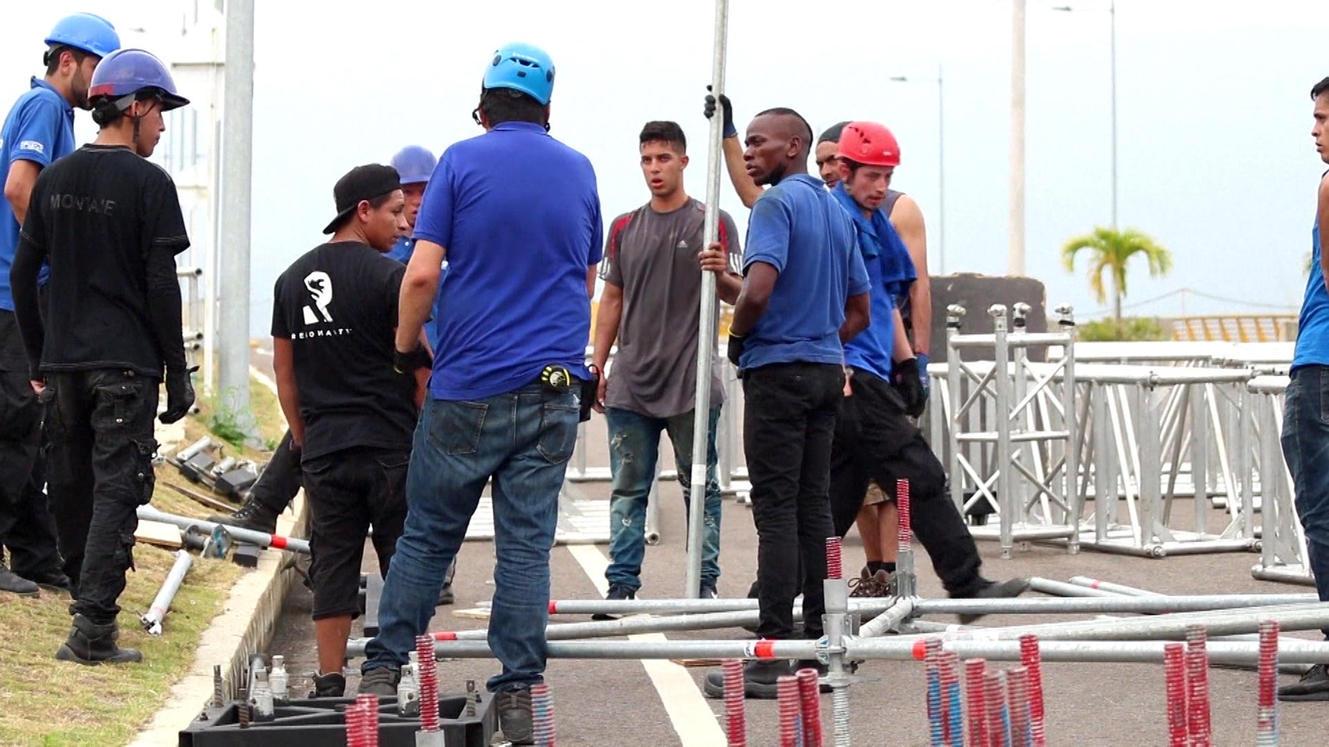 El show se llevará a cabo en el lado del puente de Tienditas (AFP)